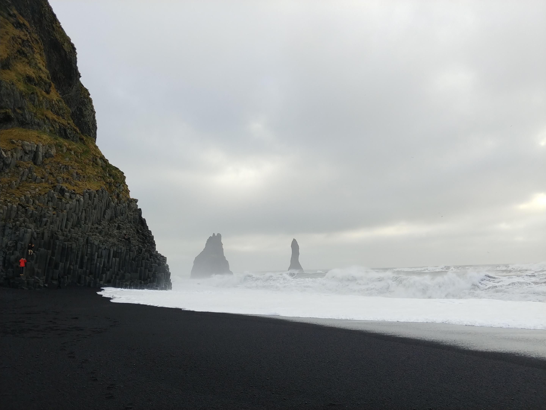 LG V30 black beach