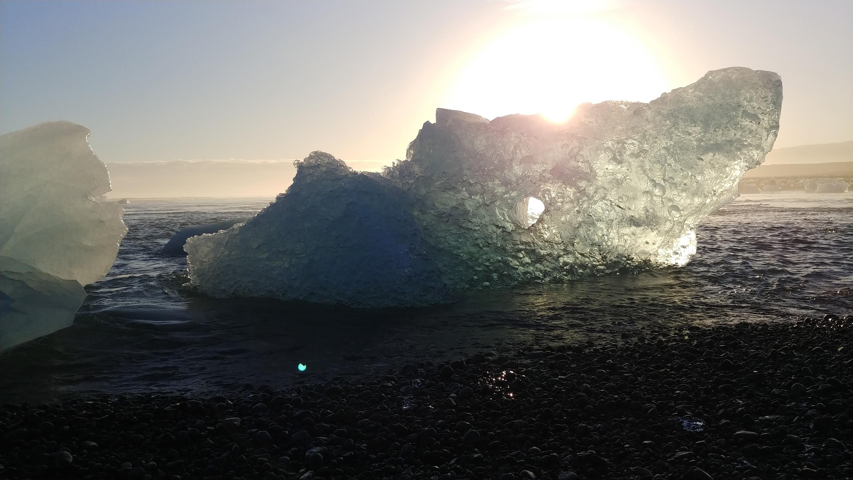 LG V30 glacier sunset