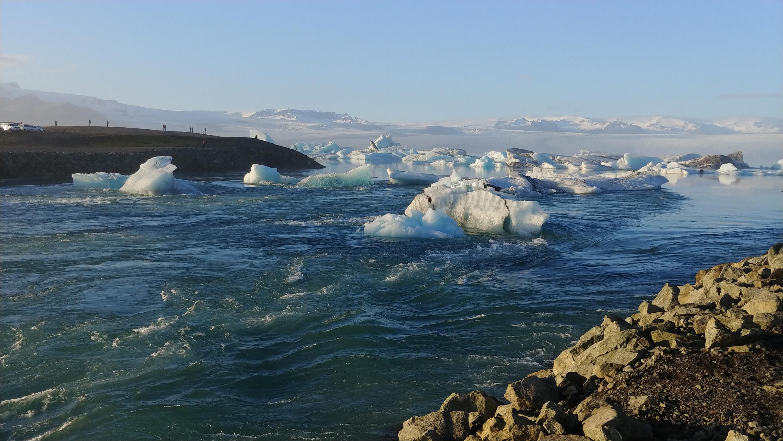 LG V30 glacier water