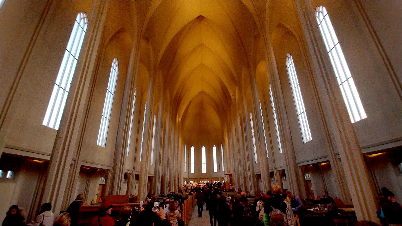LG V30 inside church