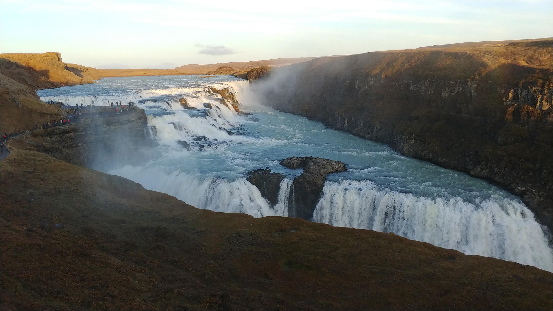 LG V30 waterfall