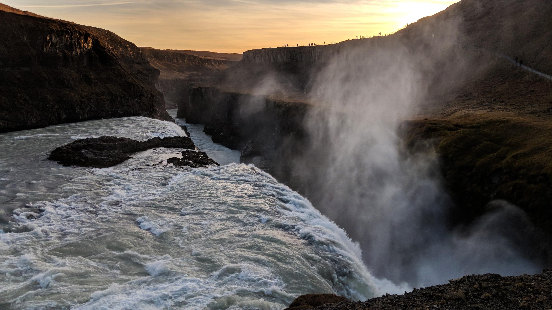 Pixel 2 waterfall