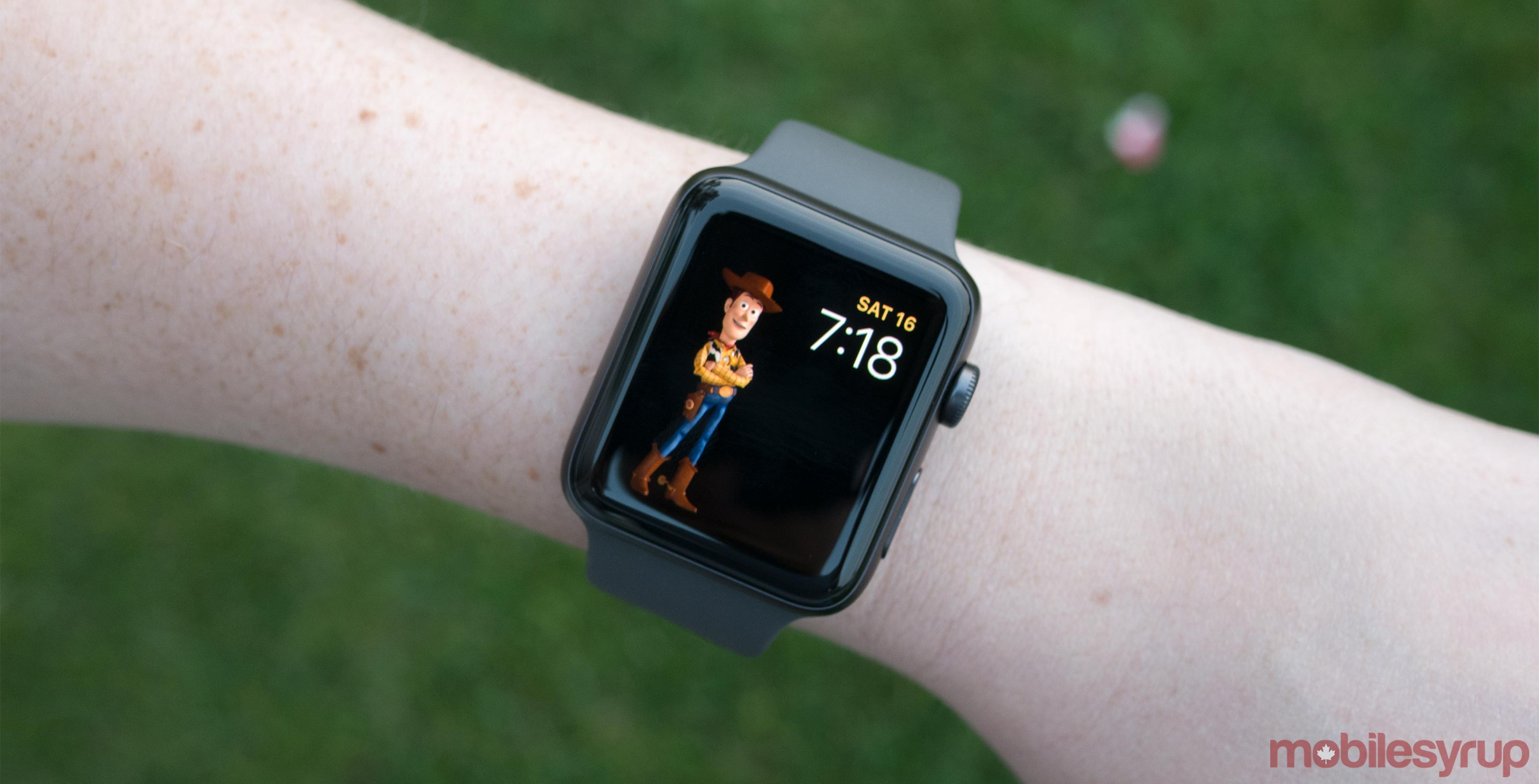 cellular adds news hands watchos apple streaming radio watches update and watch on app cnet music