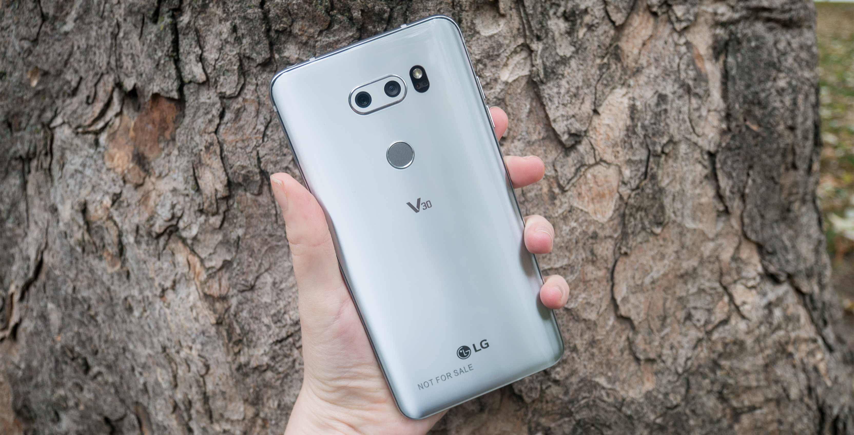 LG V30 rear facing cameras