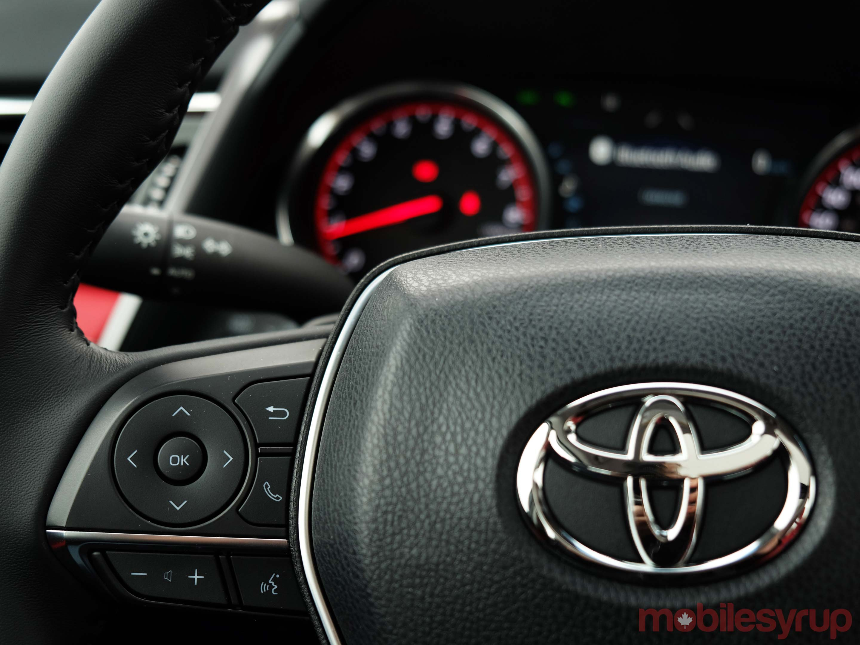 Toyota steering wheel controls