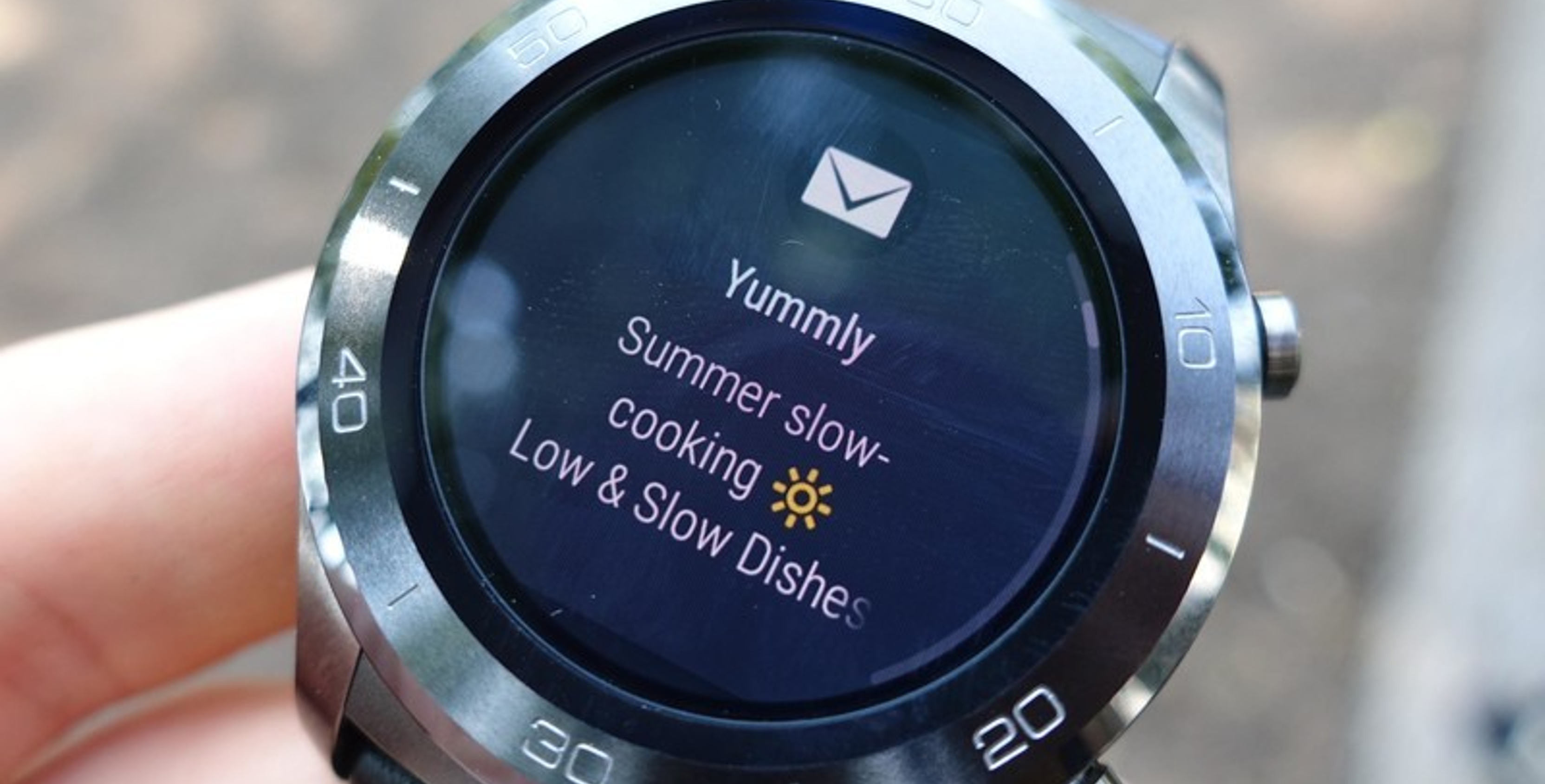 Android Wear 2.8 update includes darker background, better notification glanceability