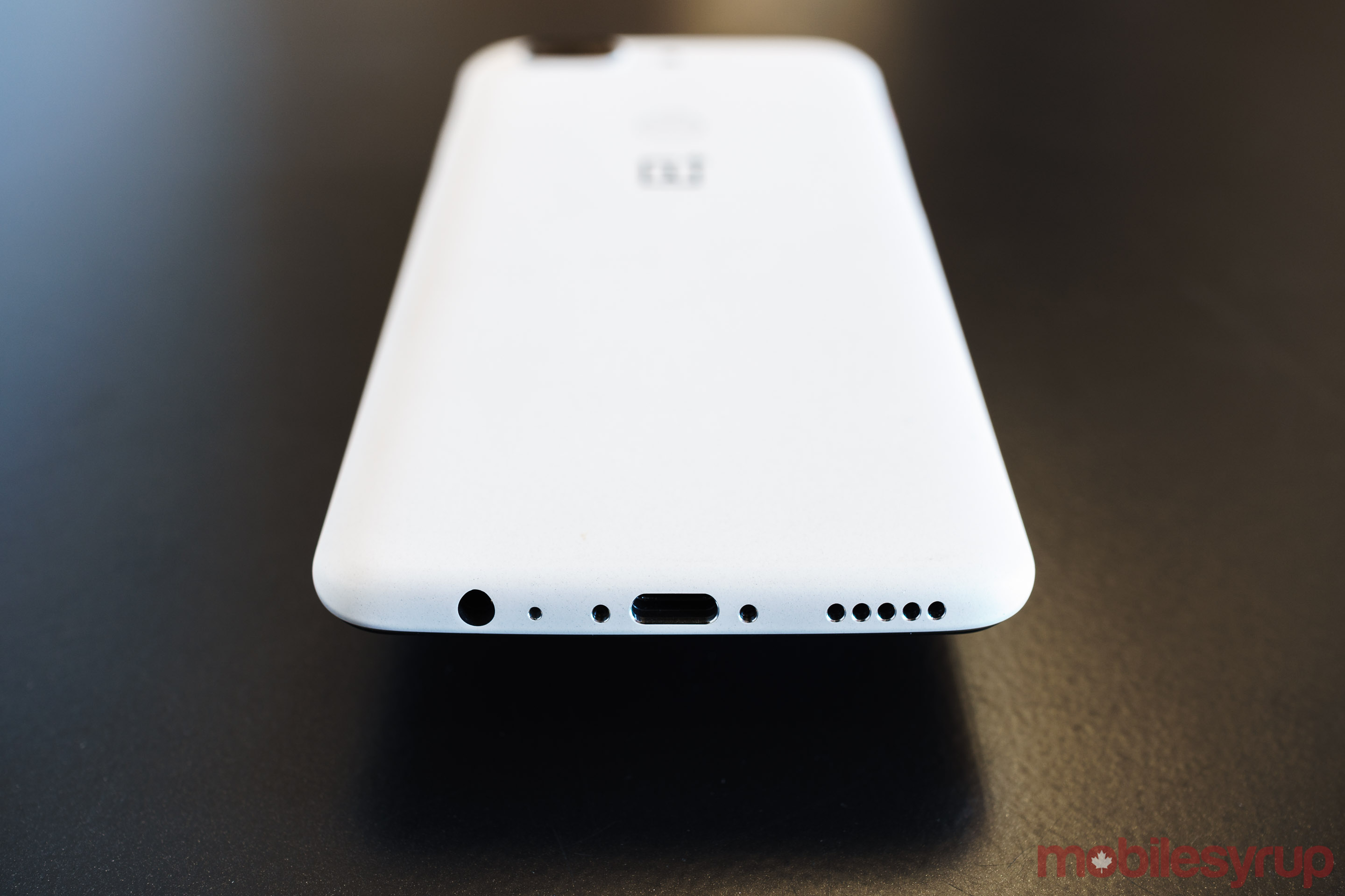 b21c46f093 A look at the new  Sandstone White  OnePlus 5T