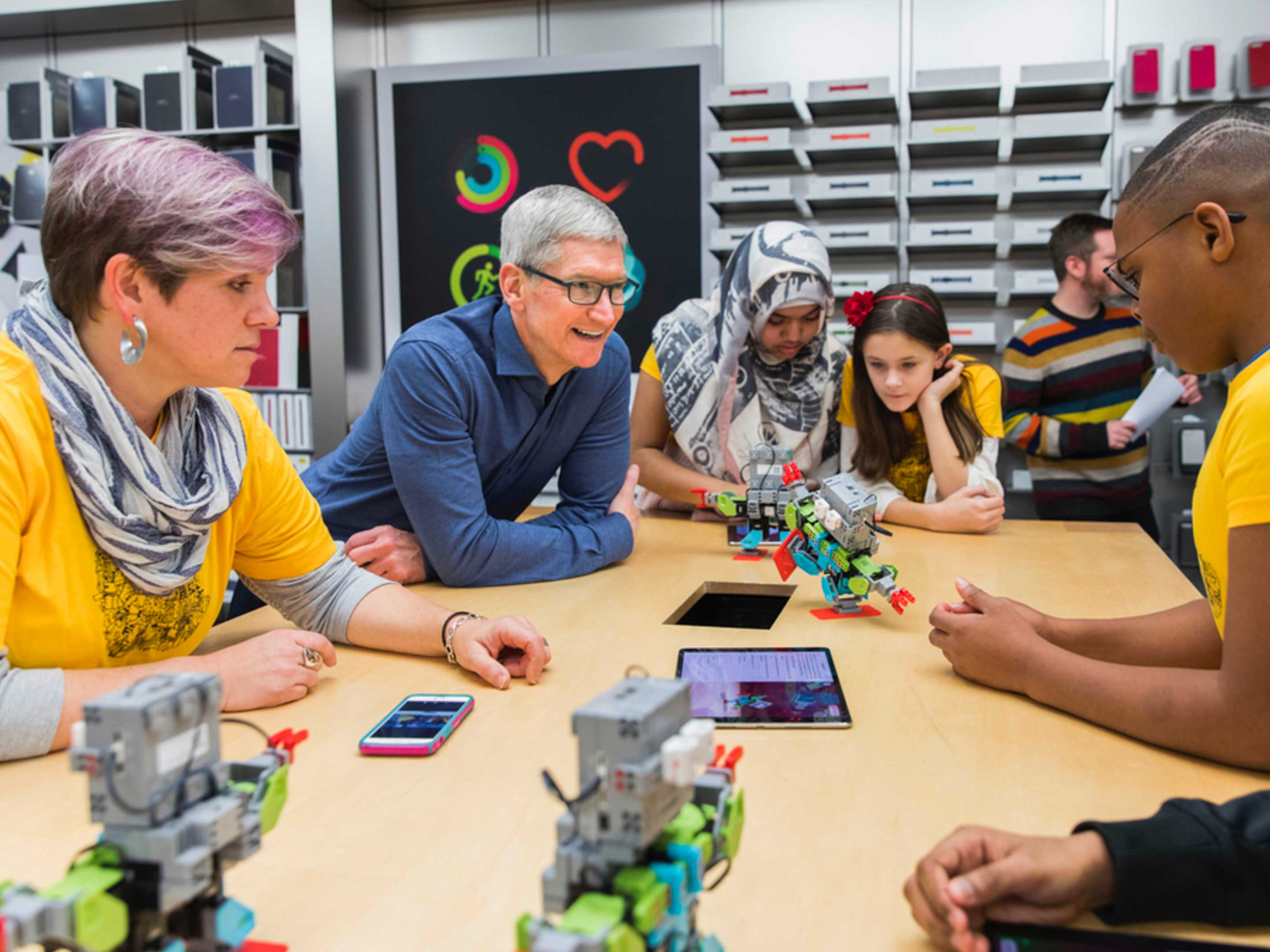 Tim Cook at the Eaton Centre Apple Store