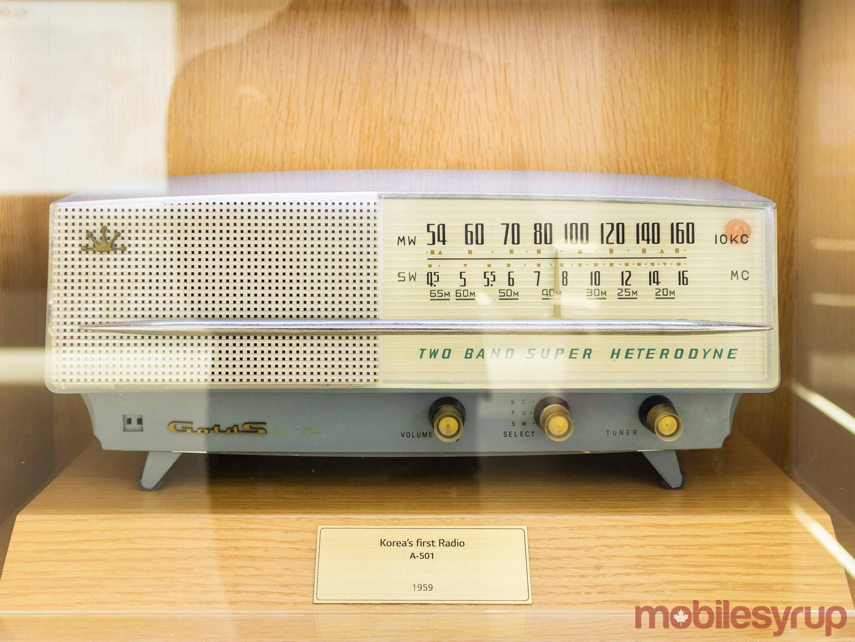 GoldStar A-501 radio