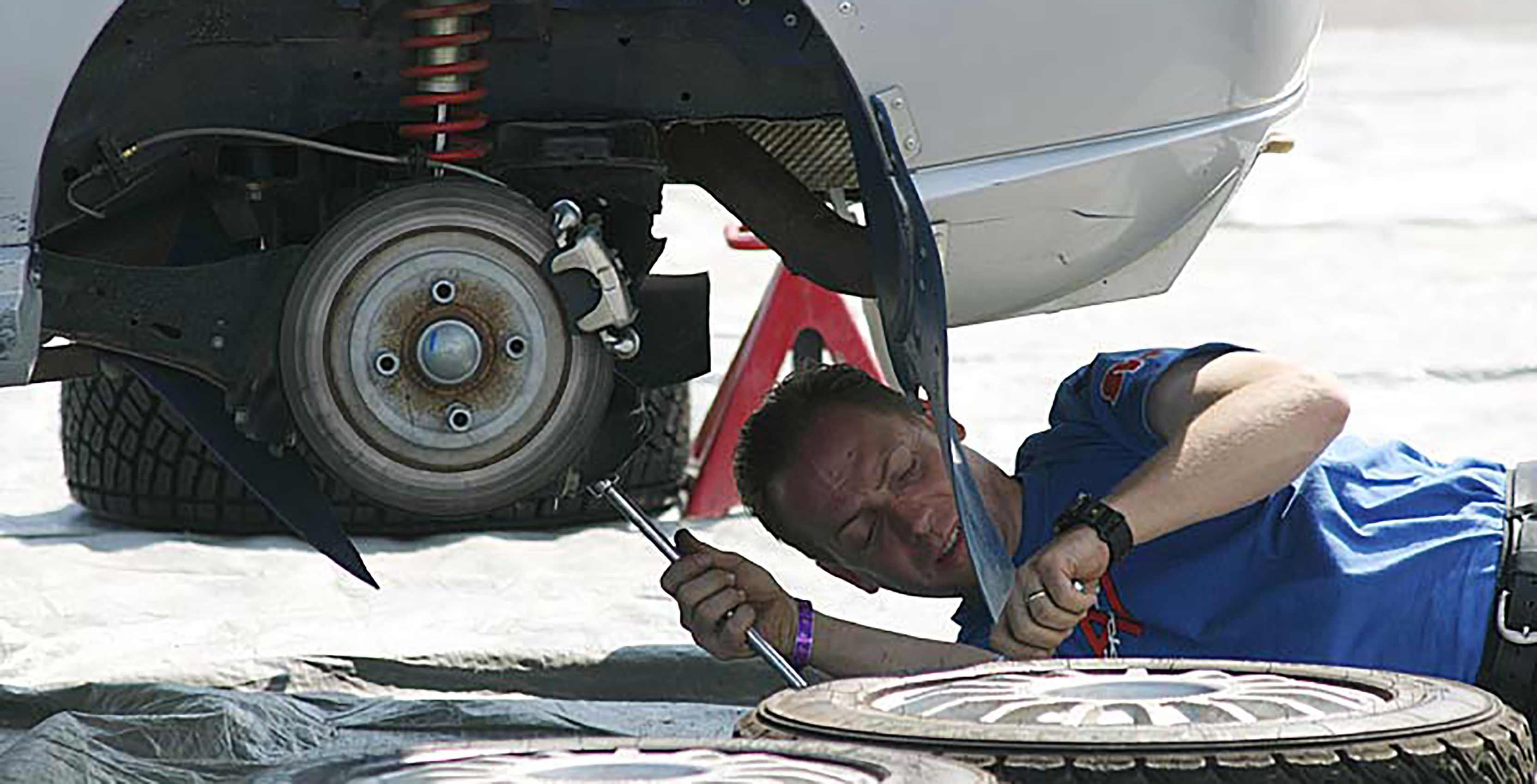 Mechanic with car