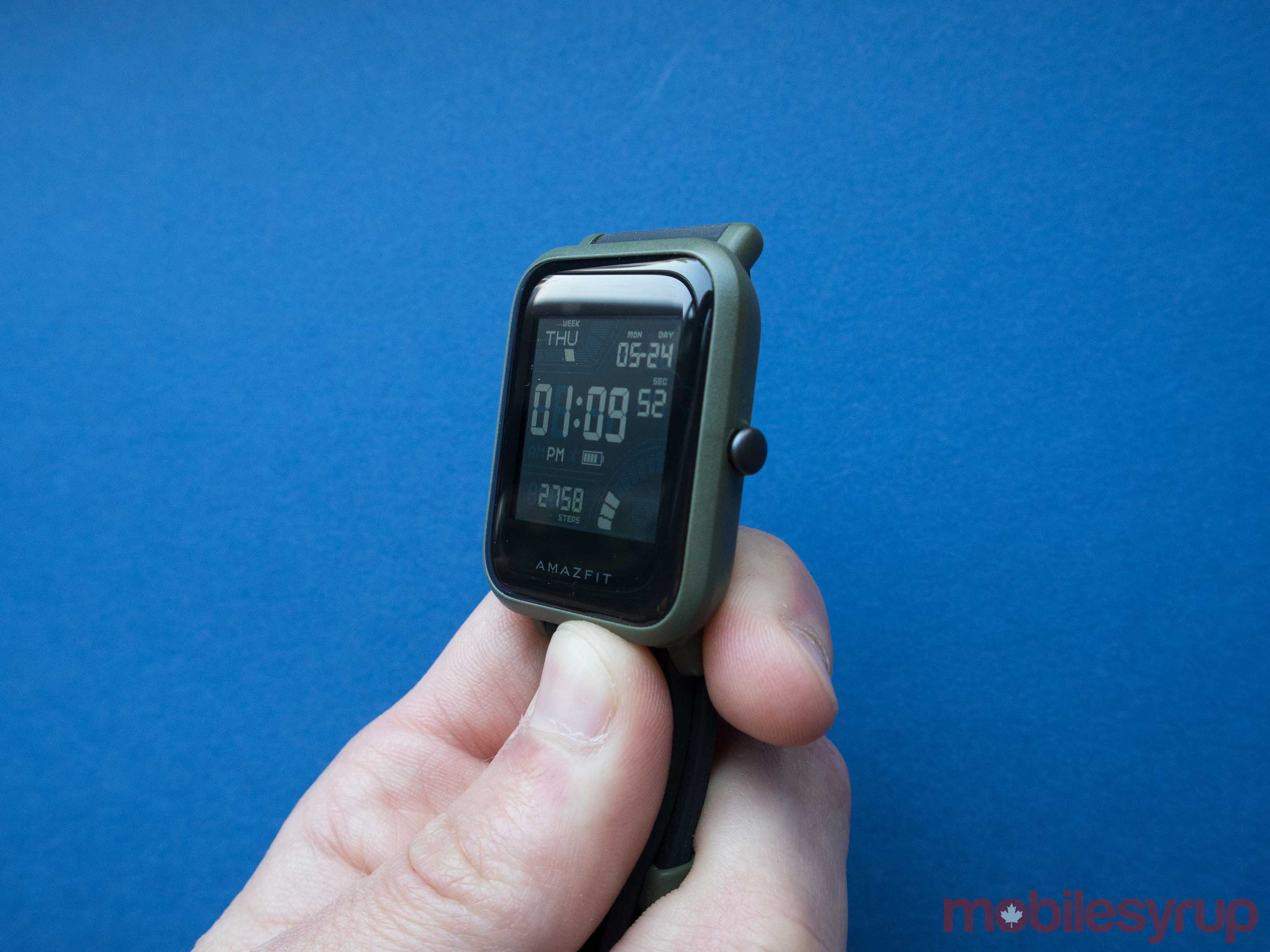 Amazfit Bip fills the simple smartwatch void left by Pebble