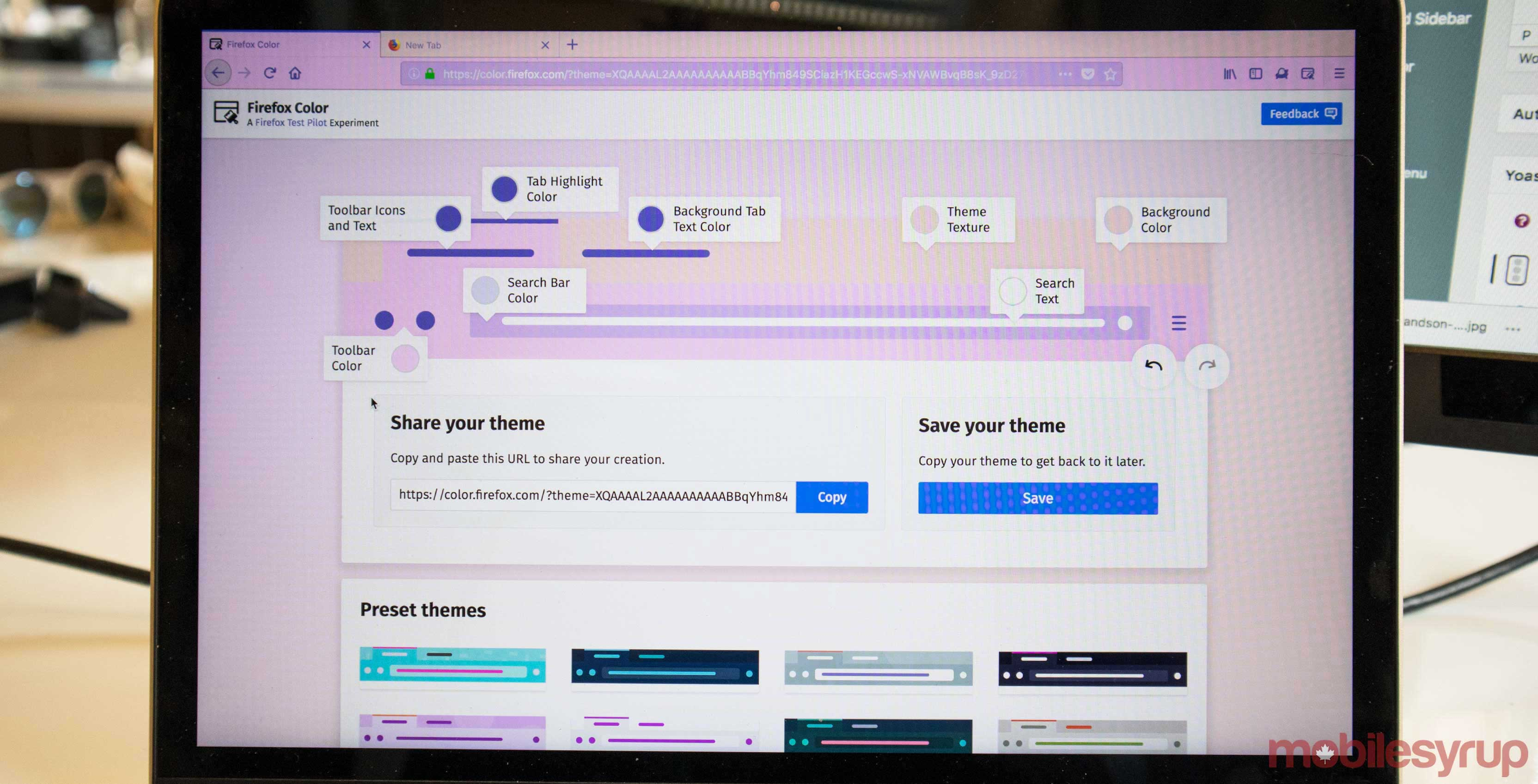 Firefox tests new Side View, themes editor features