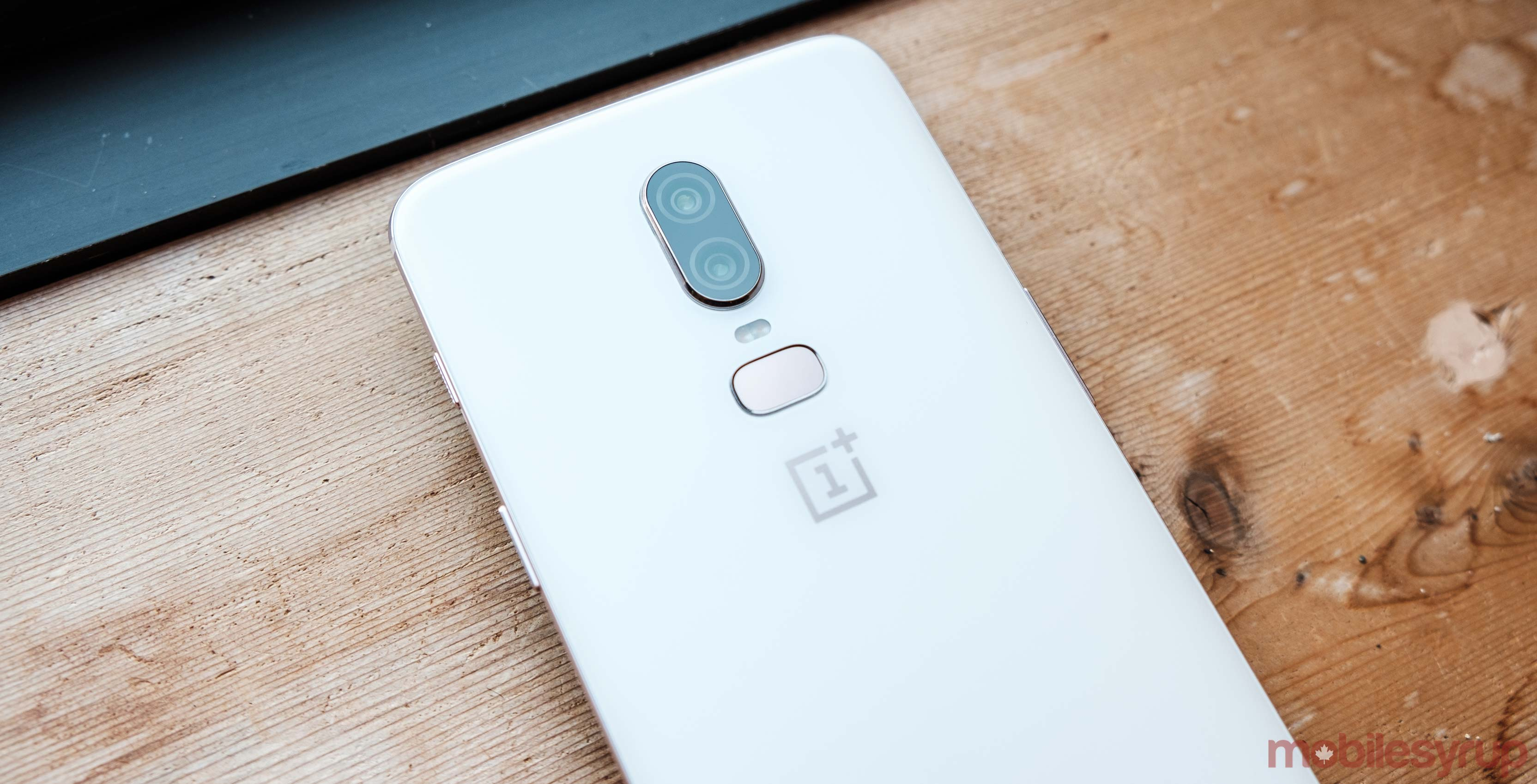 The OnePlus 6 in Silk White