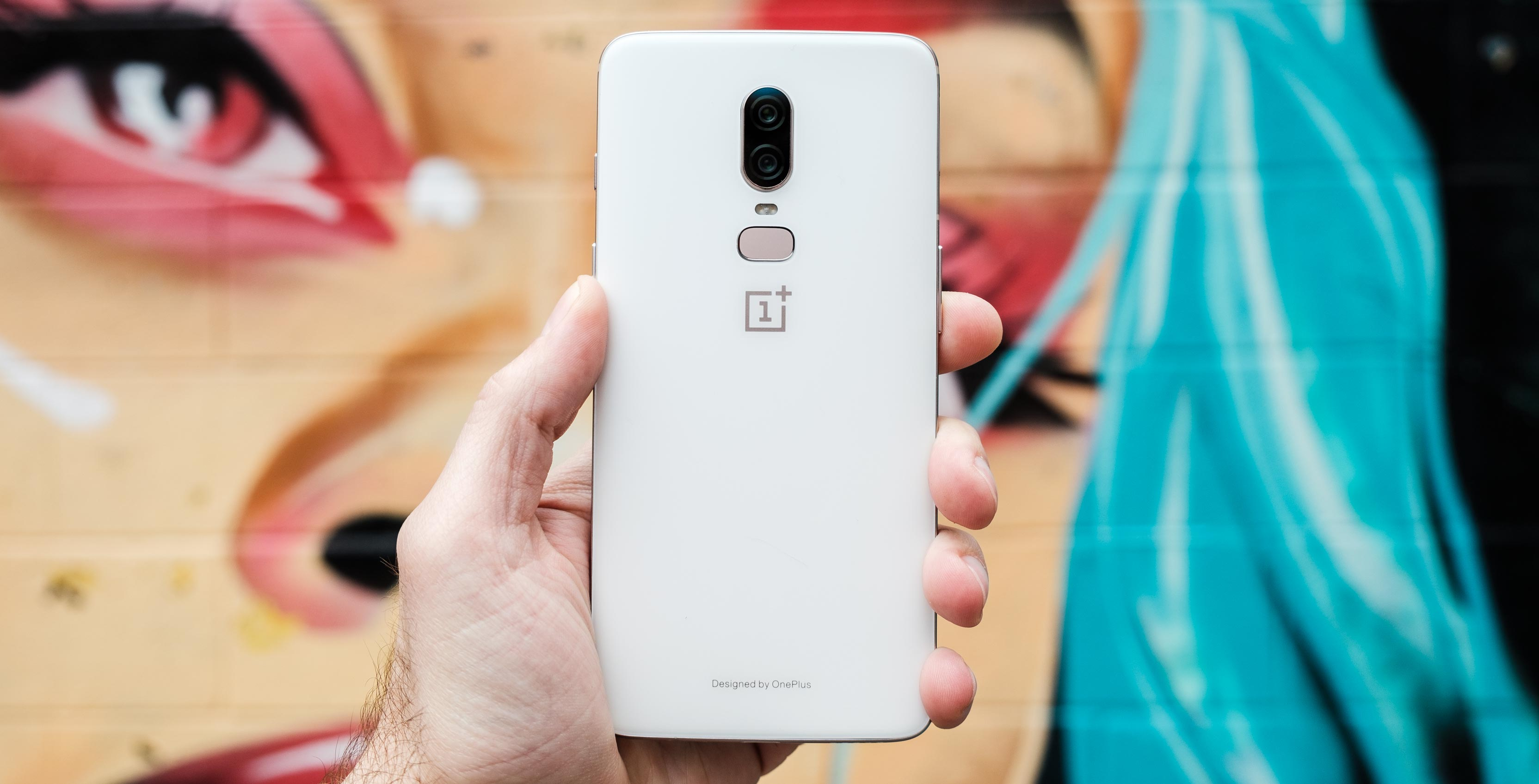 The OnePlus 6 is 'Silk White'