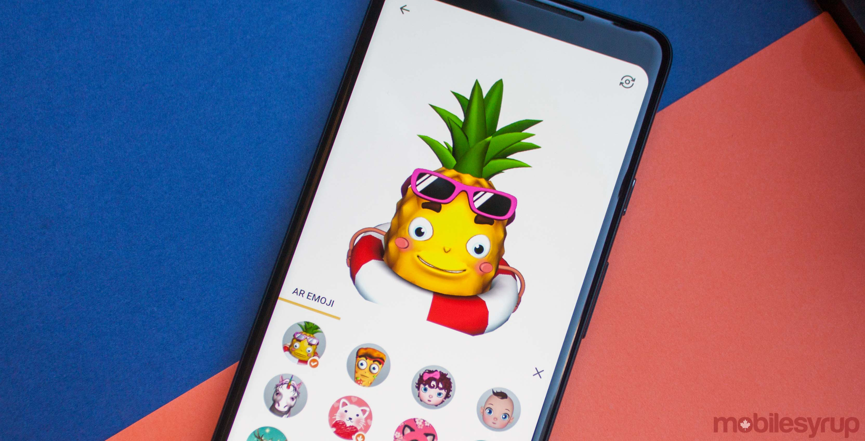 Facemoji Lets Any Android Phone Use Animated Ar Emoji 3 Way Switch Animation Pineapple On Keyboard