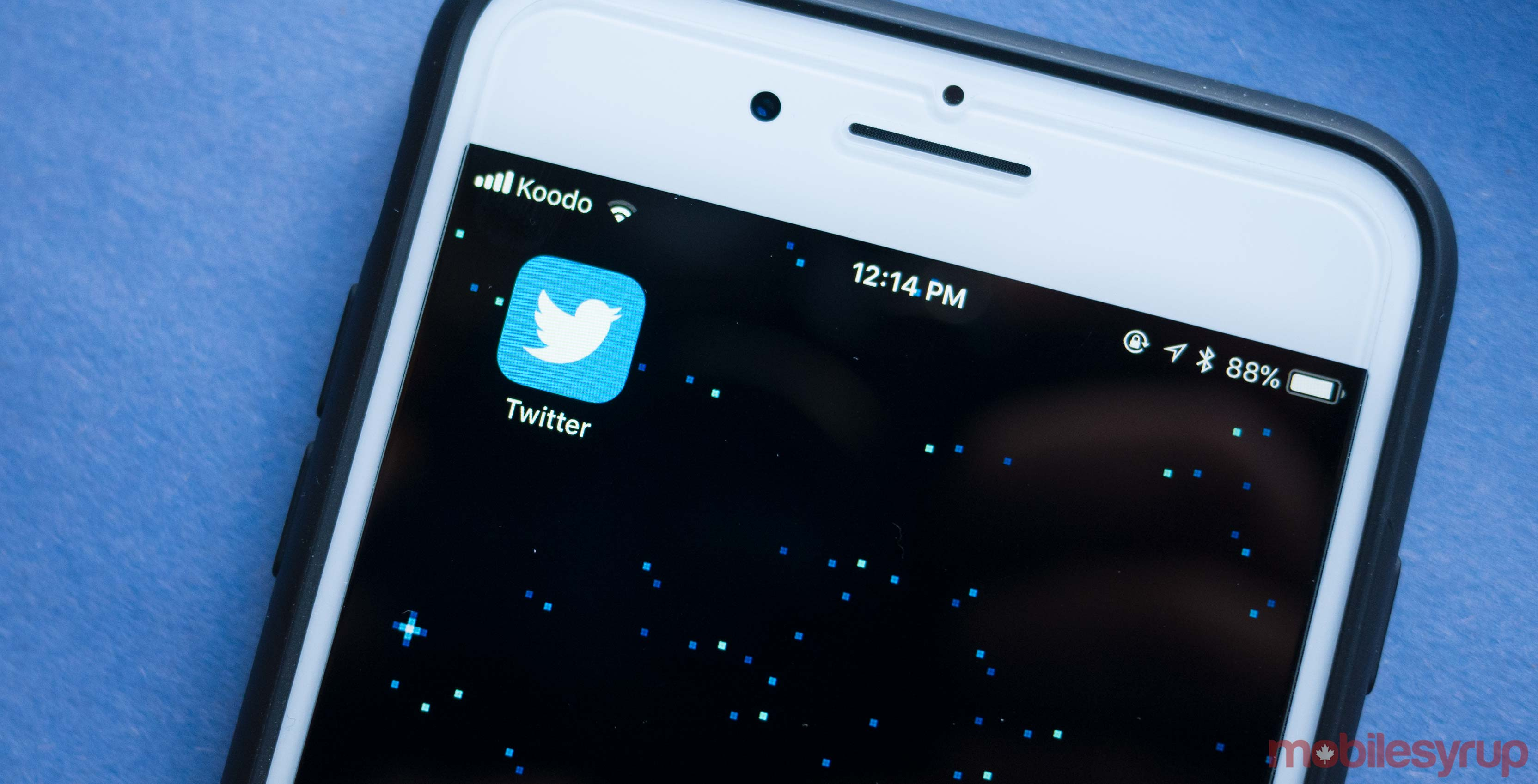 Twitter temporarily suspends ability to tweet via text