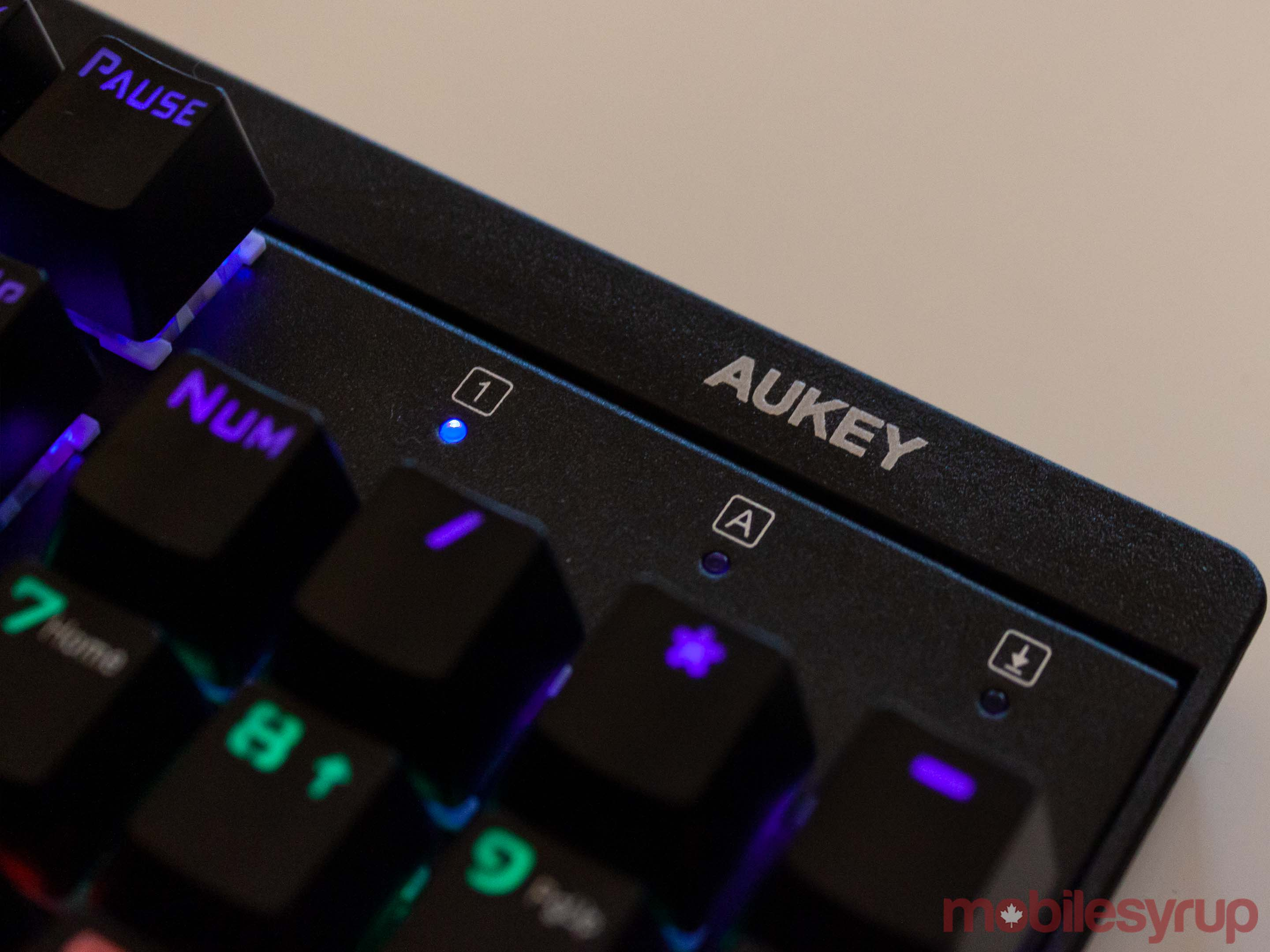 Aukey logo on KM-G6