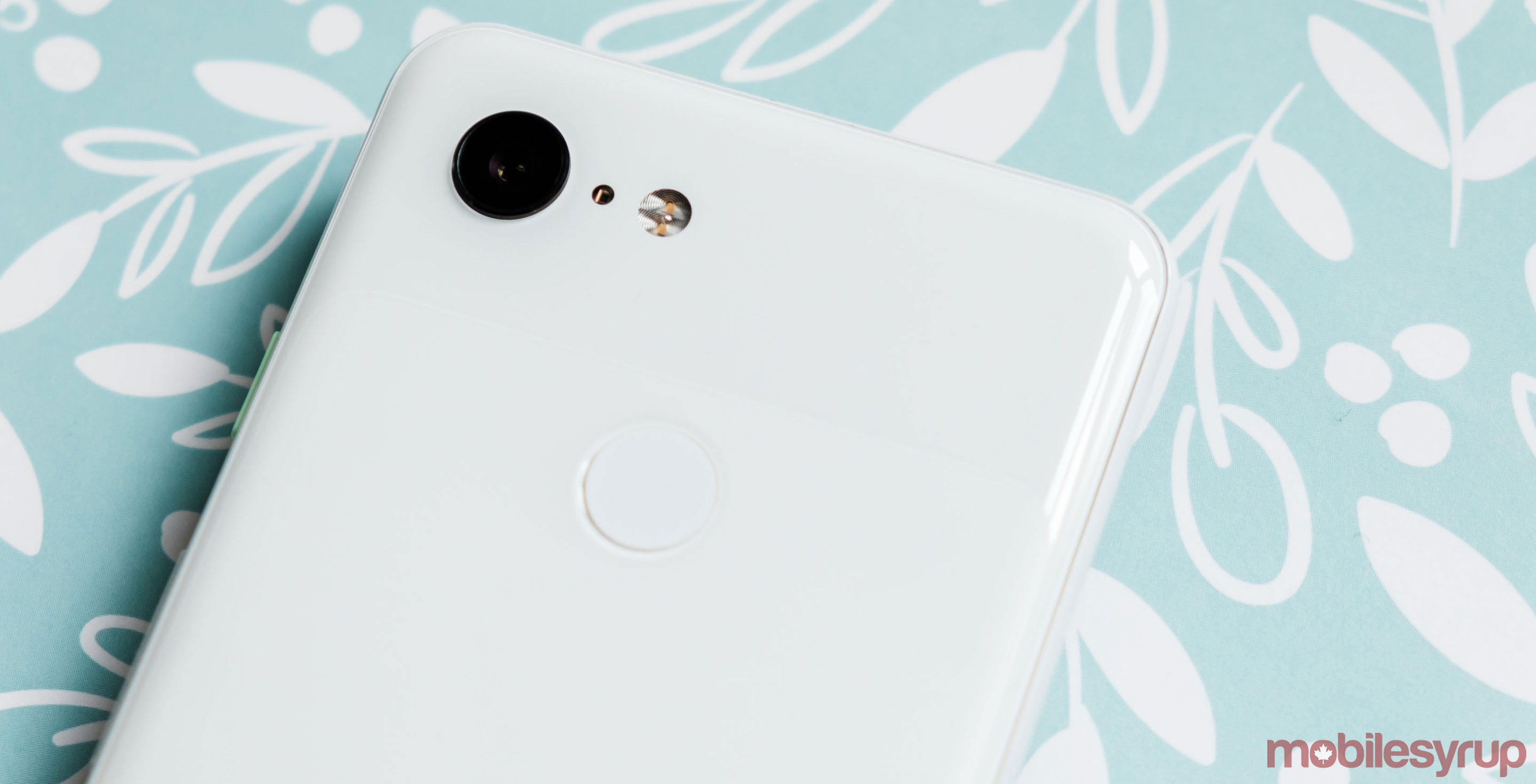 Hmmm: Google Created a Proprietary Fast Wireless Charging Solution for Pixel 3