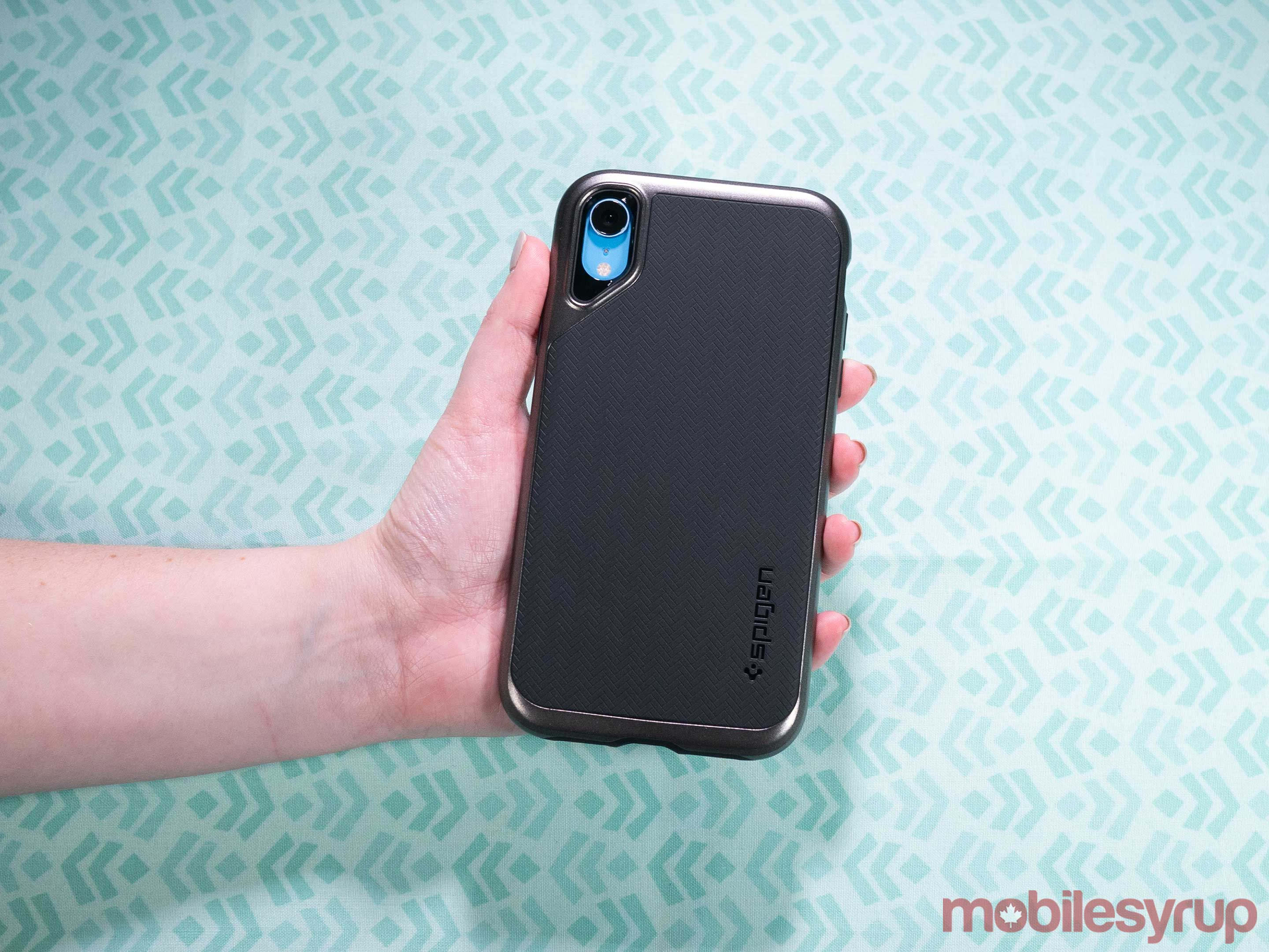 iPhone XR Spigen Neo Hybrid case