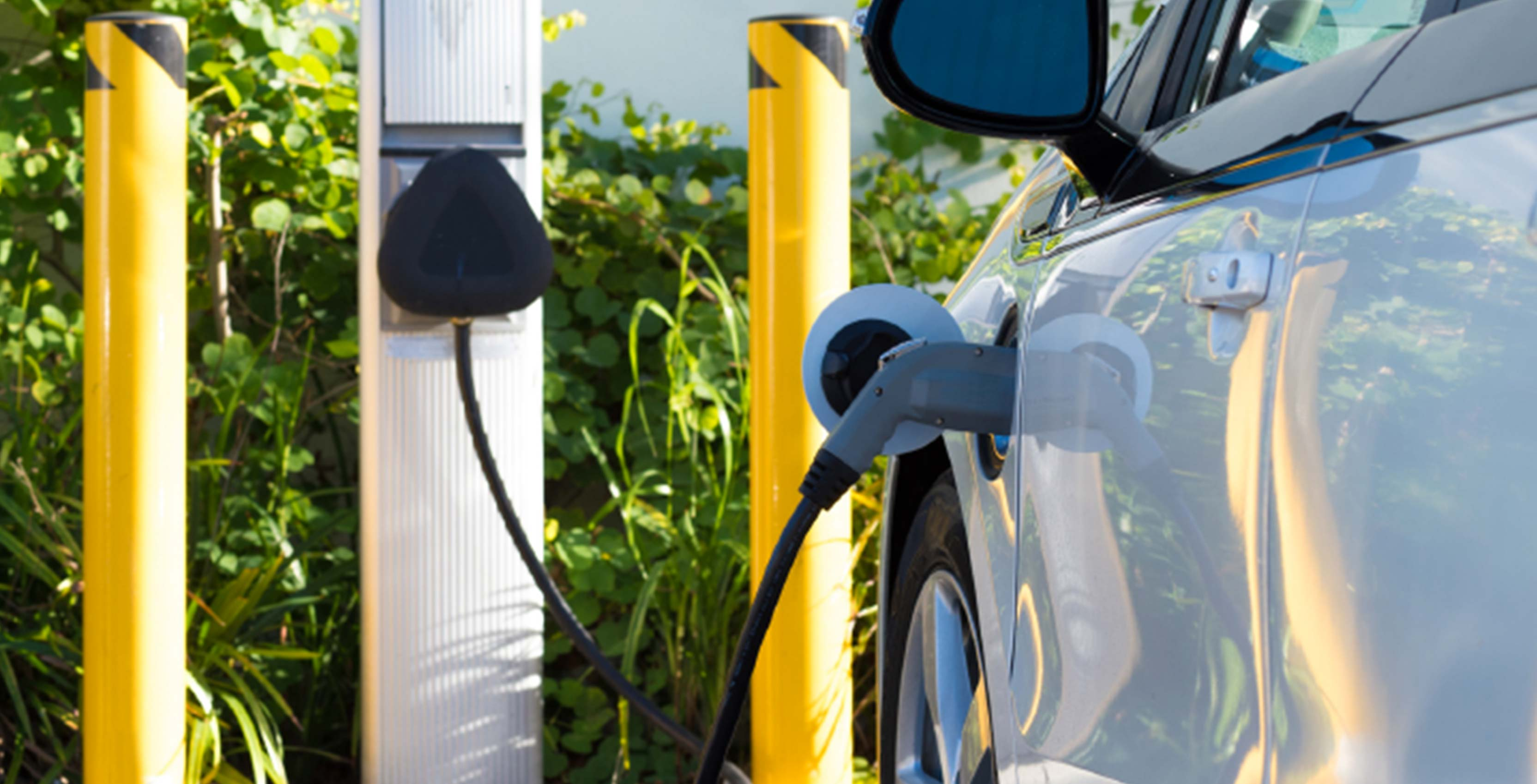 Canadian Tire to build 53 electric vehicle chargers across the country