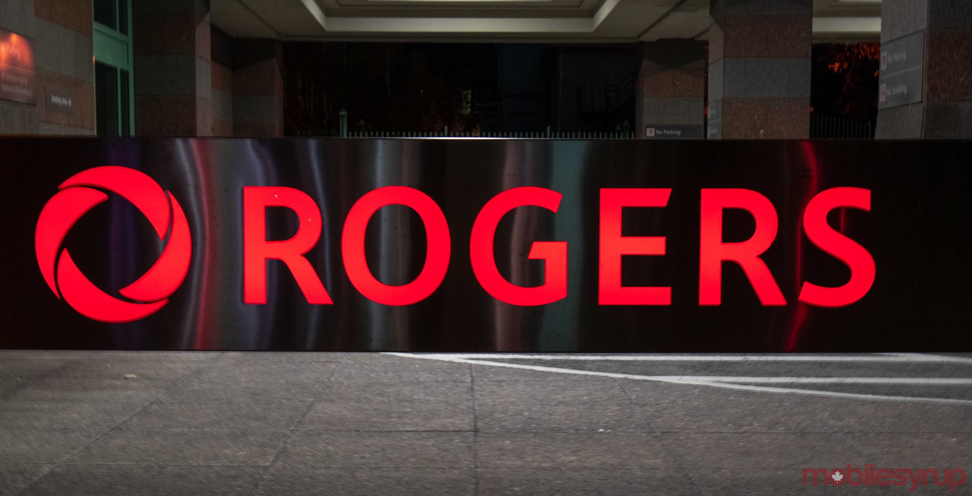 Small Ottawa town worried of health risks, pushing Rogers to
