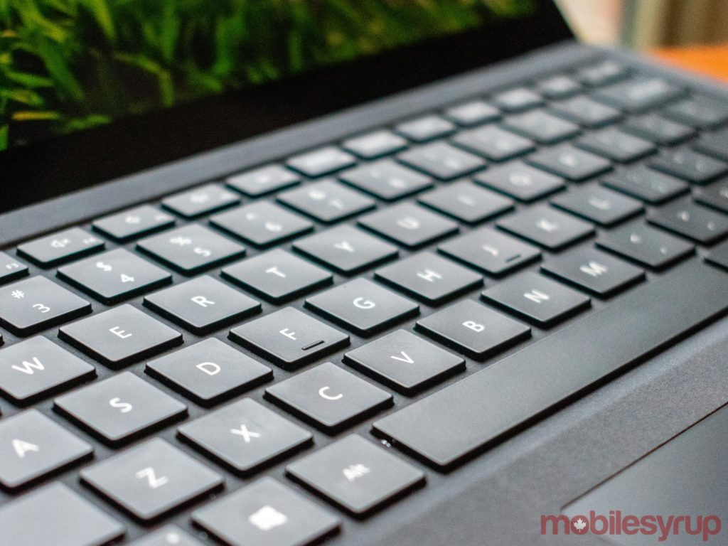 00d8e25cd99 The device also comes with a 13.5-inch, 2256 x 1504 pixel, 3:2 aspect  ratio, touch-enabled PixelSense display. In terms of pure numbers, the Surface  Laptop ...