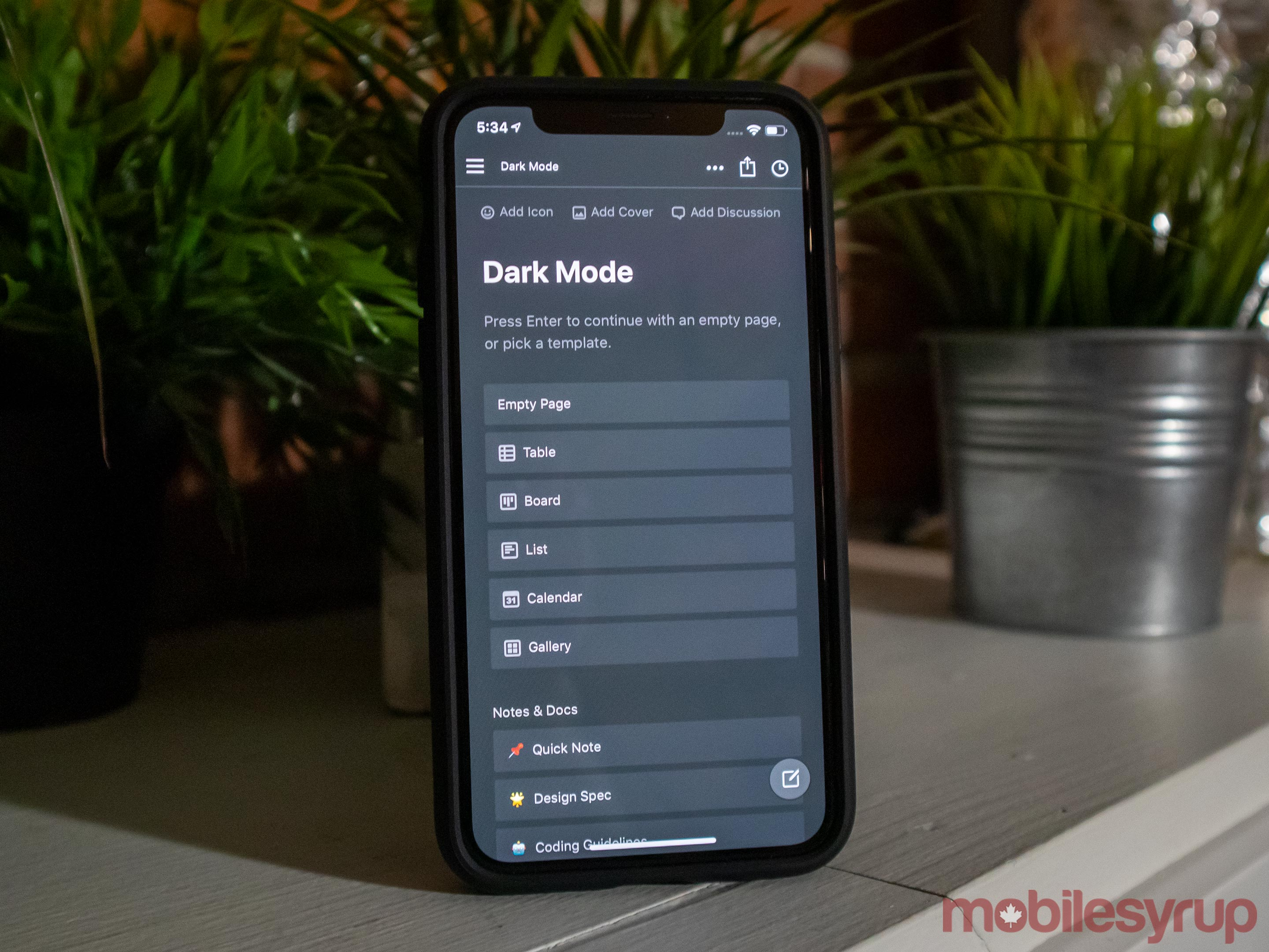 Back in black: how to turn on dark mode and save your battery