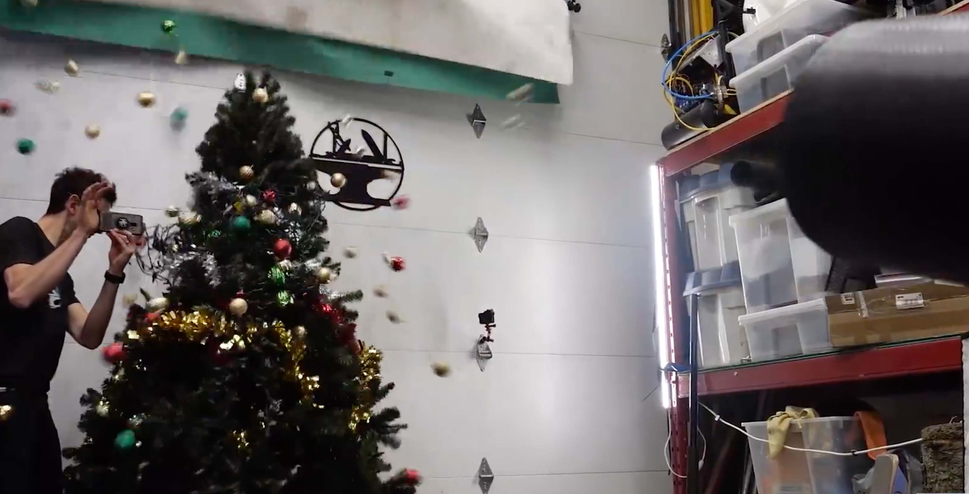 Decorate A Christmas Tree In 30 Seconds With Tips From This Youtube