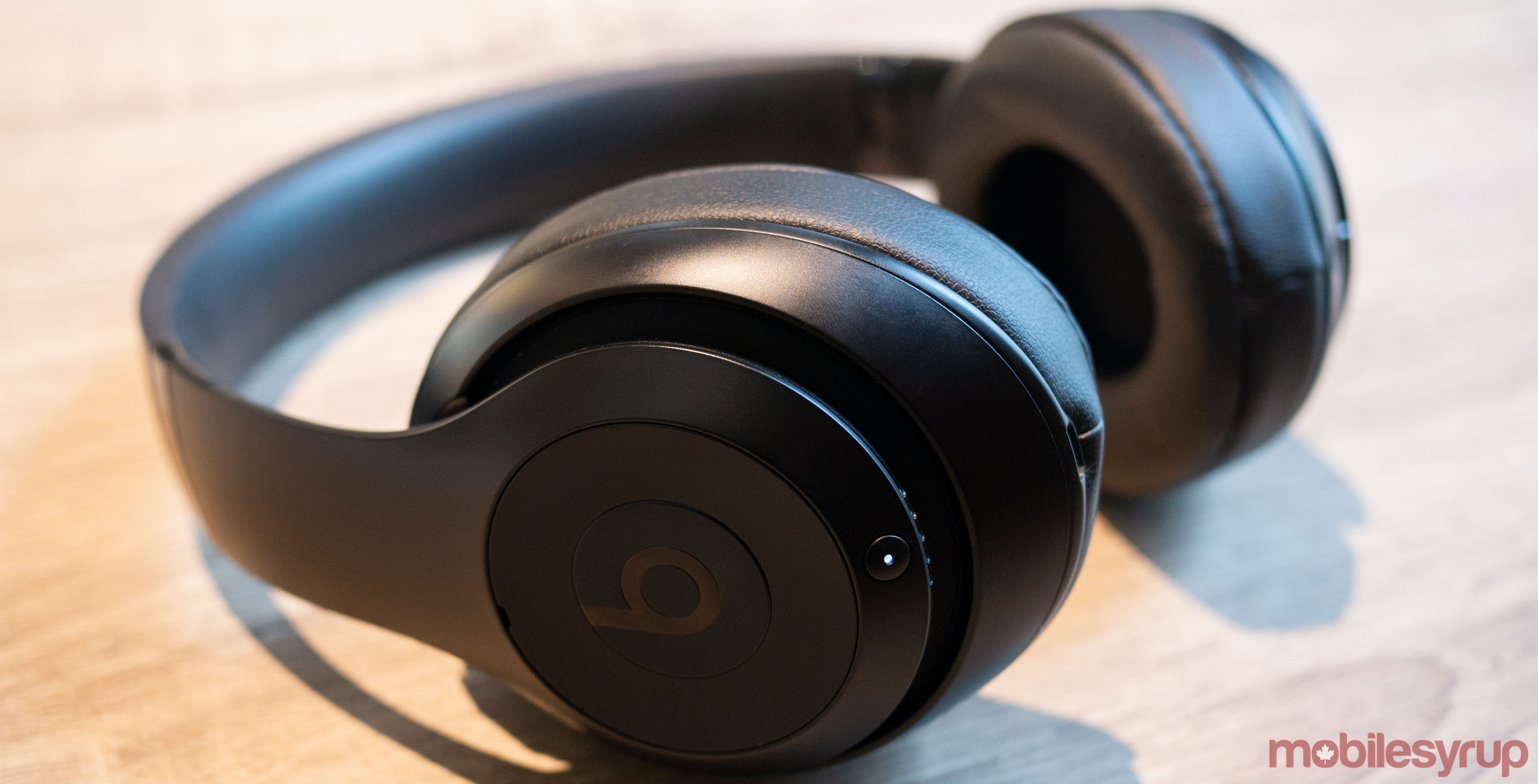 dd70f374101 Apple's over-ear headphones will launch in the second half of 2019 ...