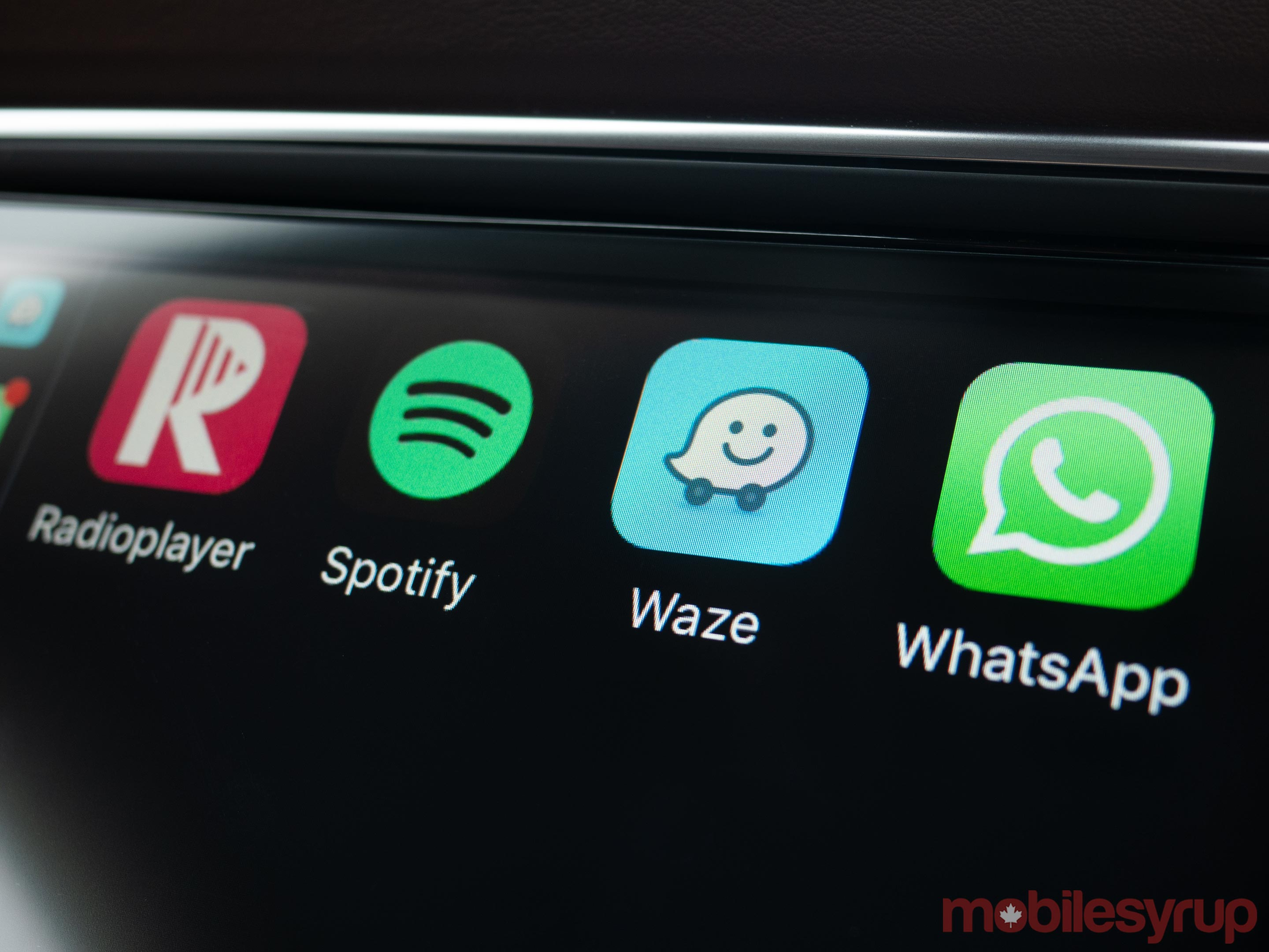Waze CarPlay app icon