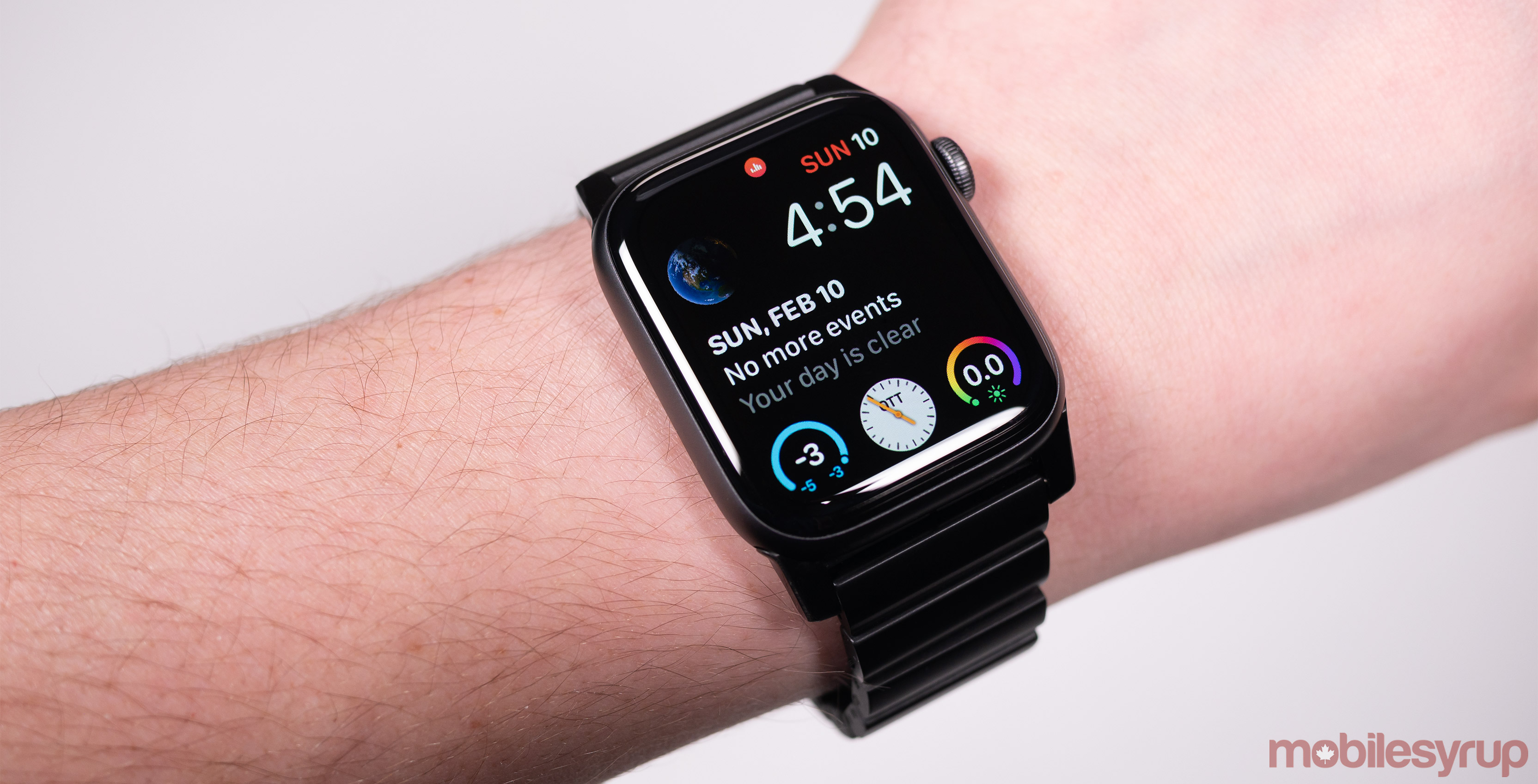 7be9f97ce A quick search on digital retail platforms like Amazon and eBay reveals  countless Apple Watch bands from various, often dubious-looking  manufacturers.