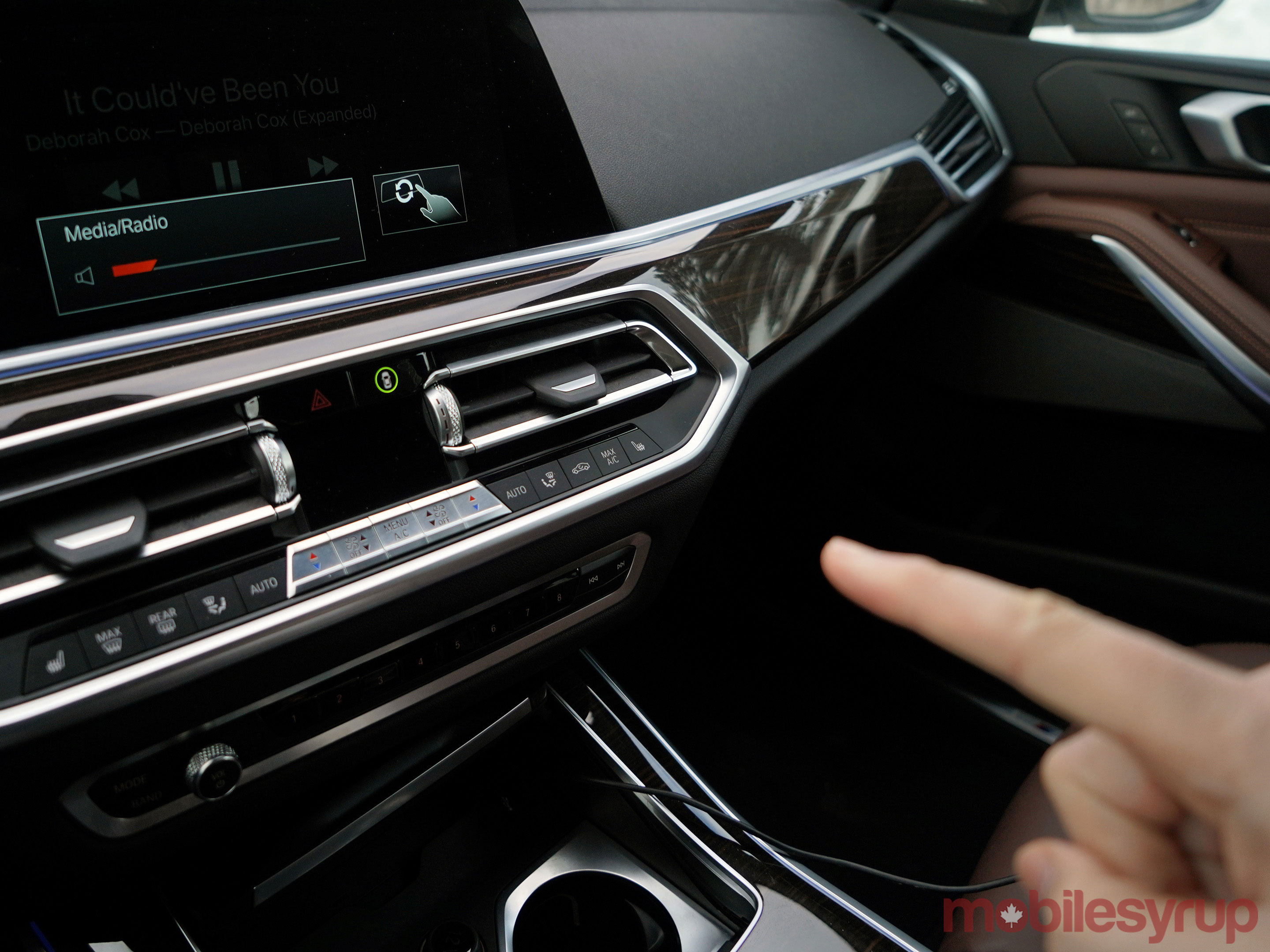 BMW iDrive gesture controls