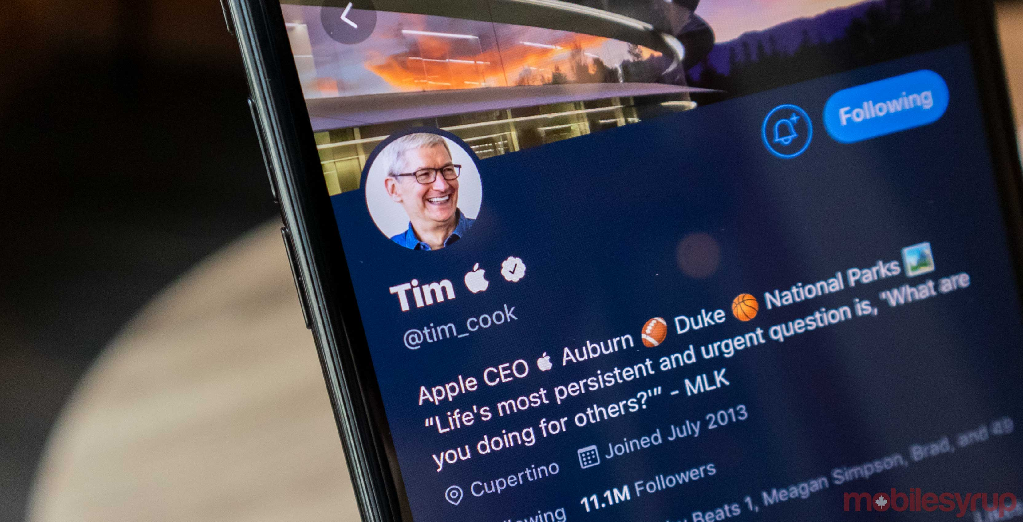 Tim Cook changed his Twitter handle to Tim Apple