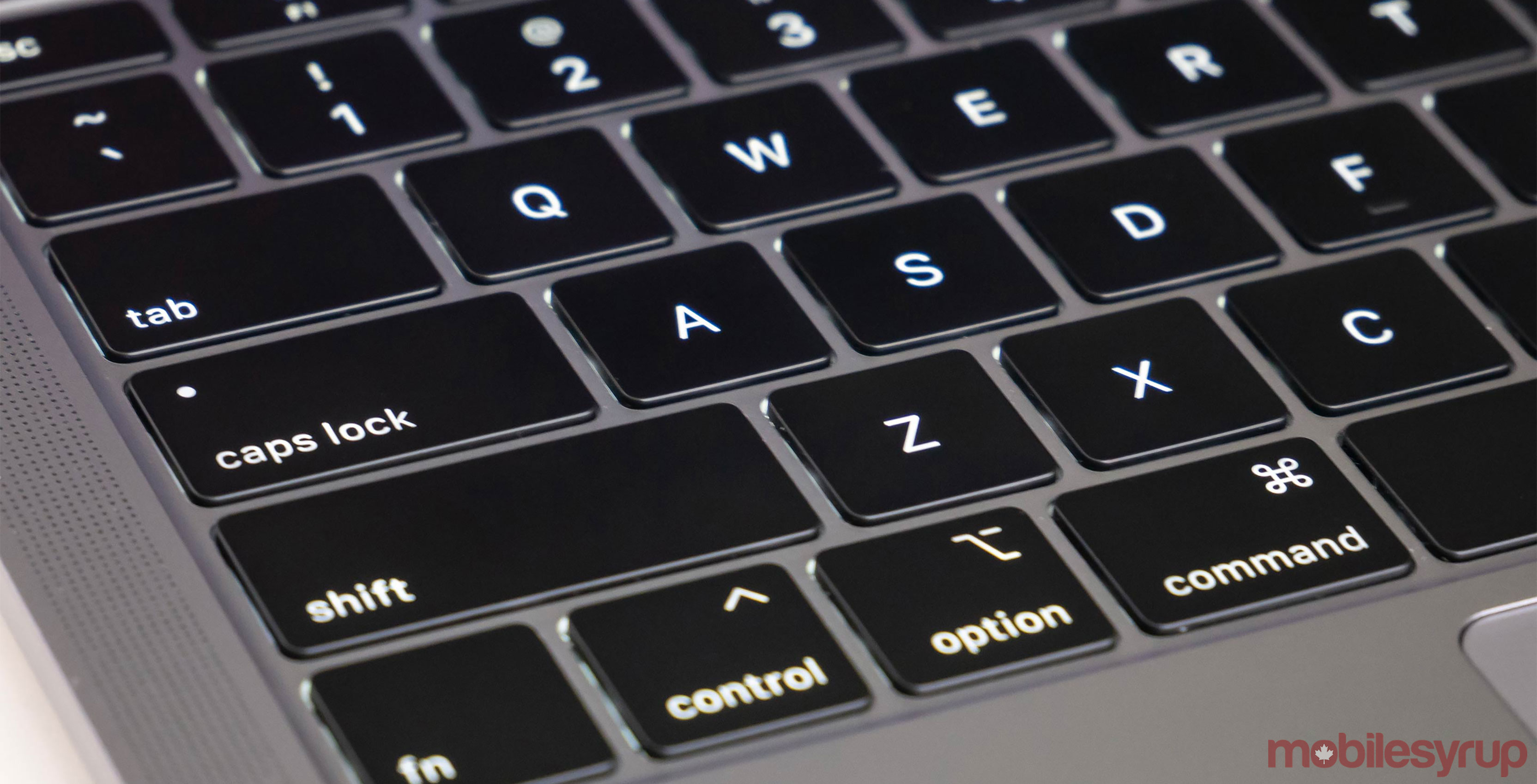 Apple admits third-gen MacBook keyboards fails too