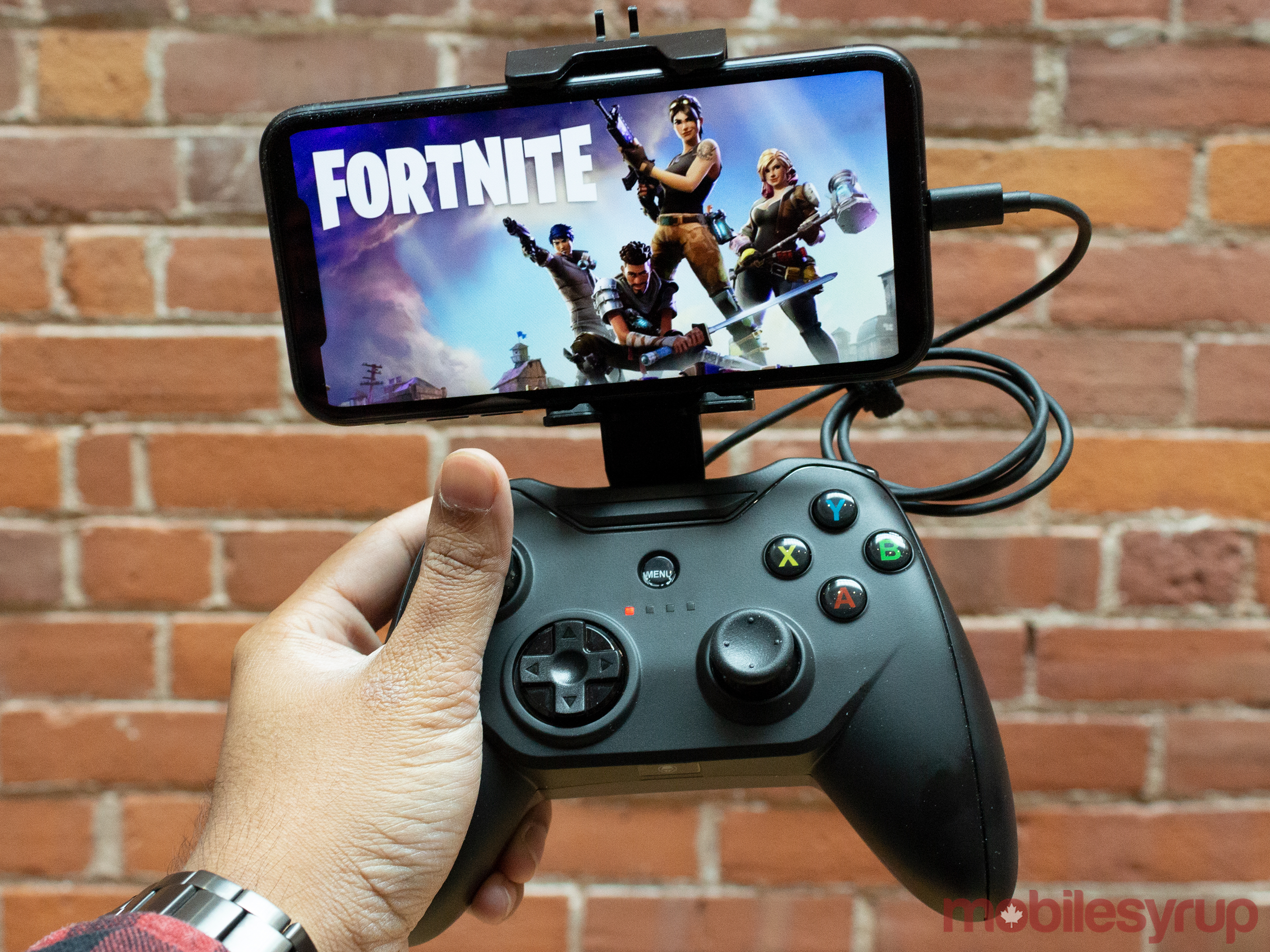 Rotor Riot wired controller: Bridging the gap between mobile