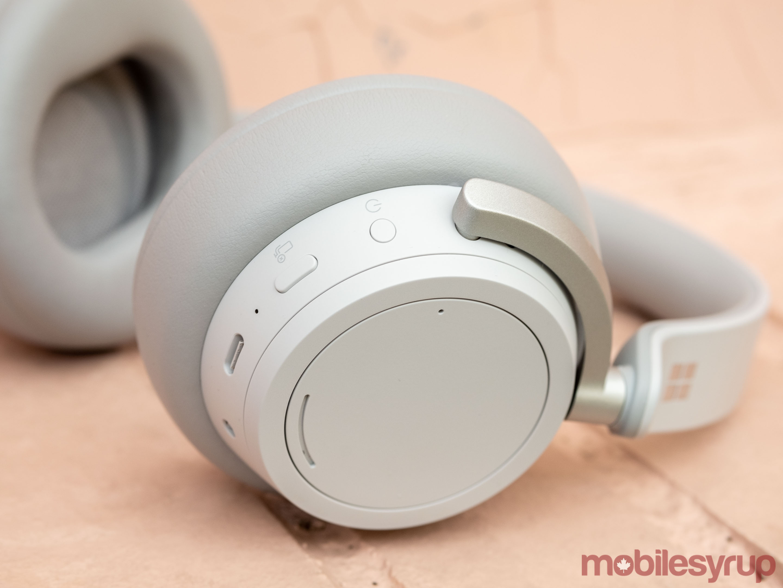 Surface Headphones USB-C port