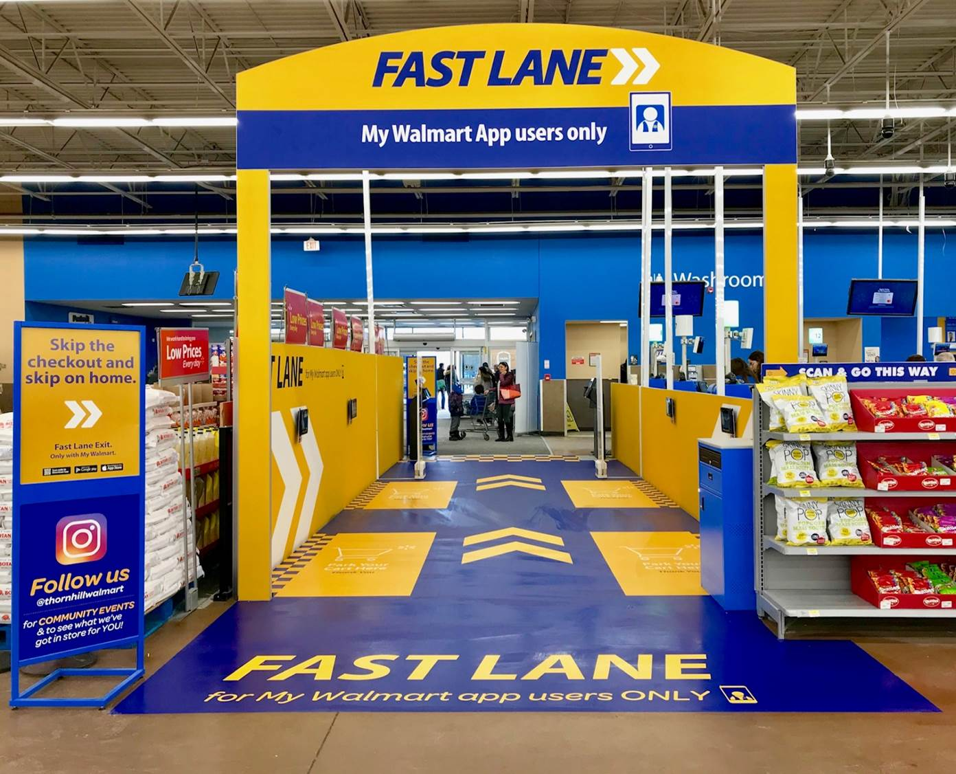 Walmart Canada launches new concept store with 'Fast Lane'