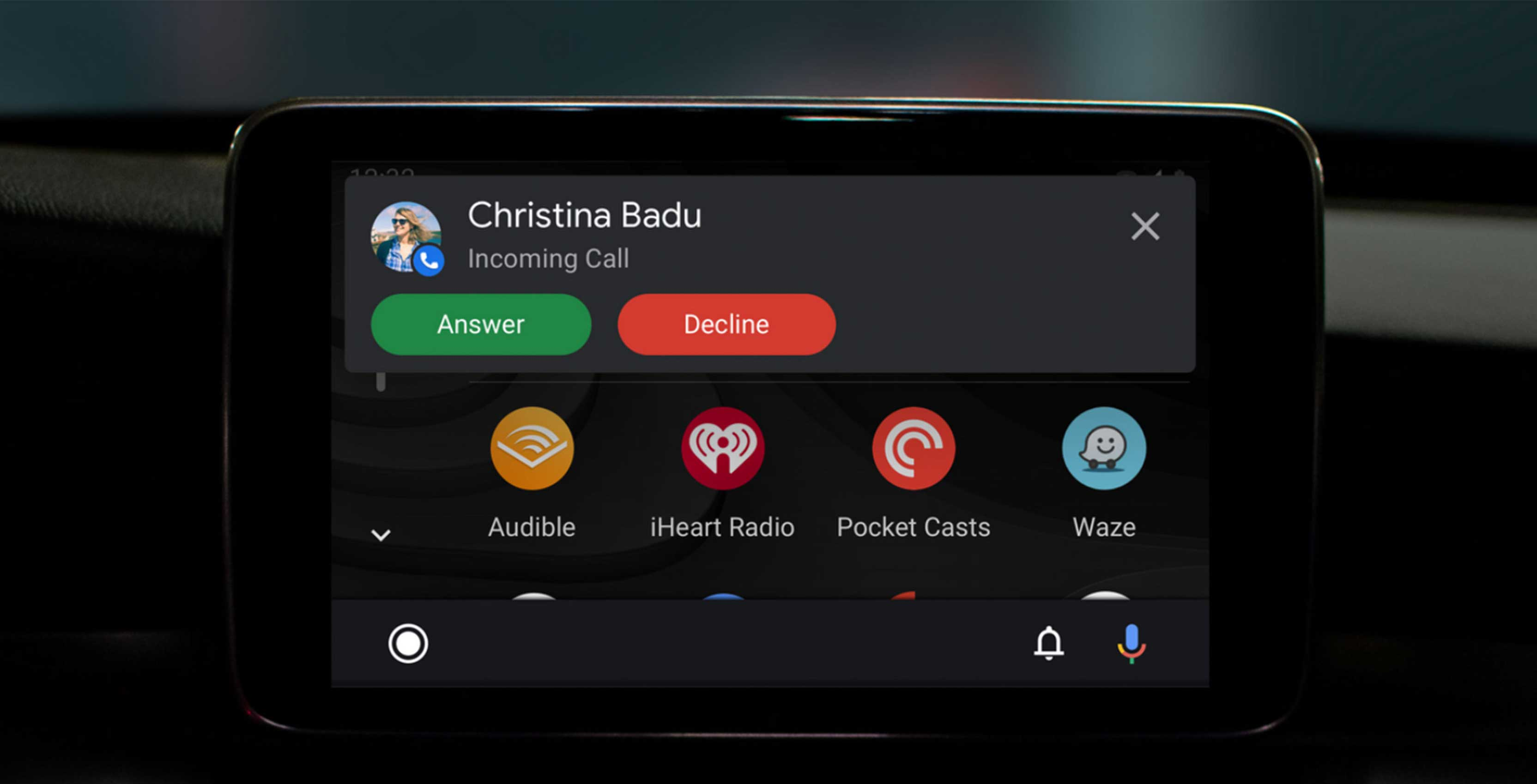 Android Auto's updated user interface isn't rolling out now