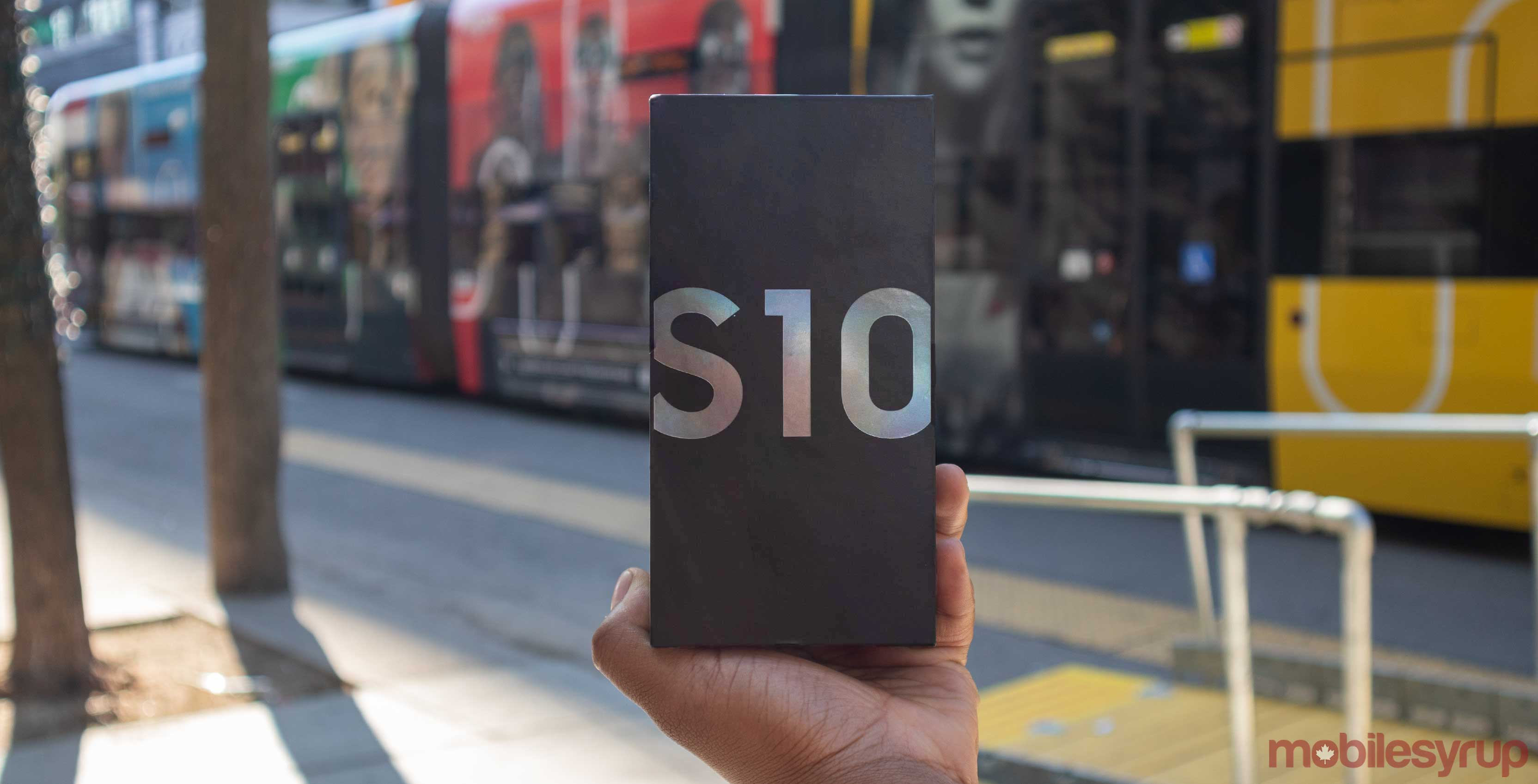 Win a Samsung Galaxy S10 from Bell