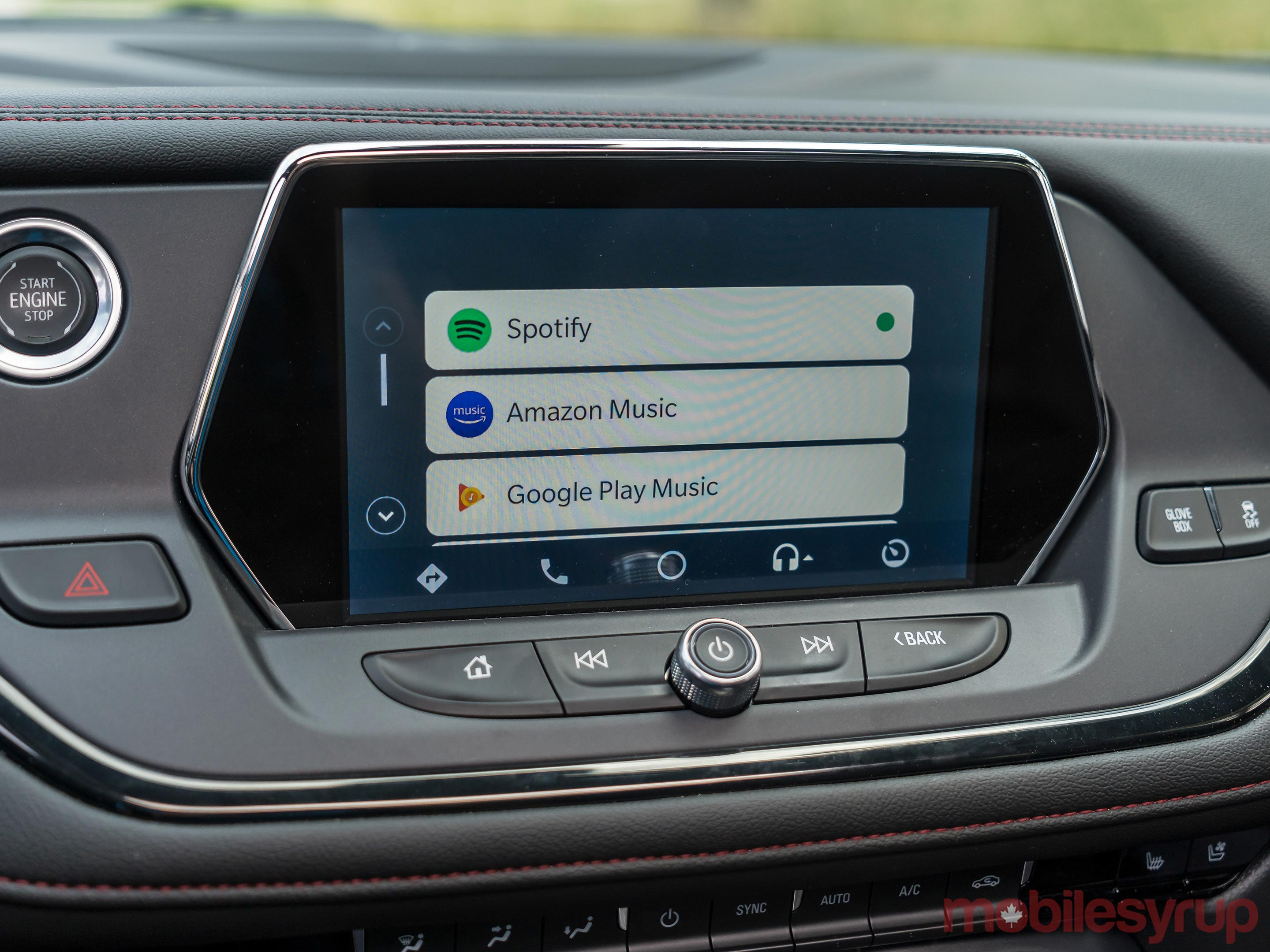 Here is a quick fix if the new Android Auto interface doesn