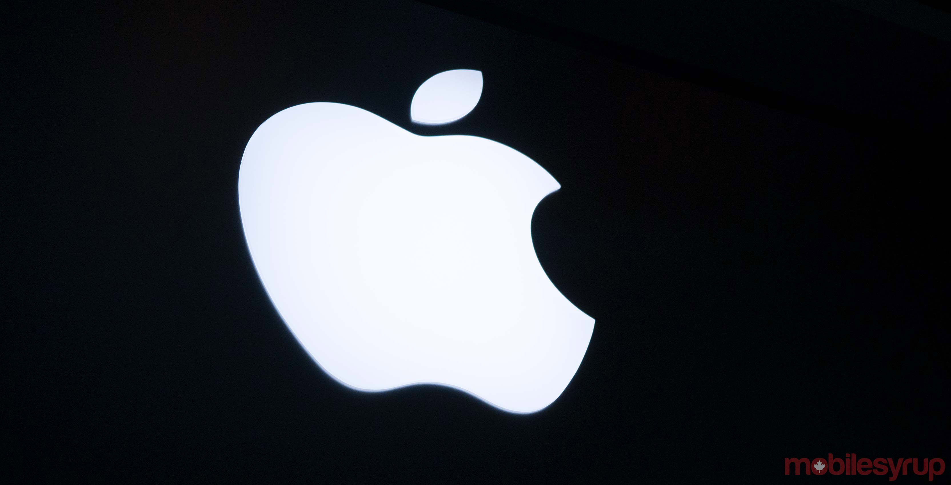 Apple suing company that creates browser-based replica of iOS