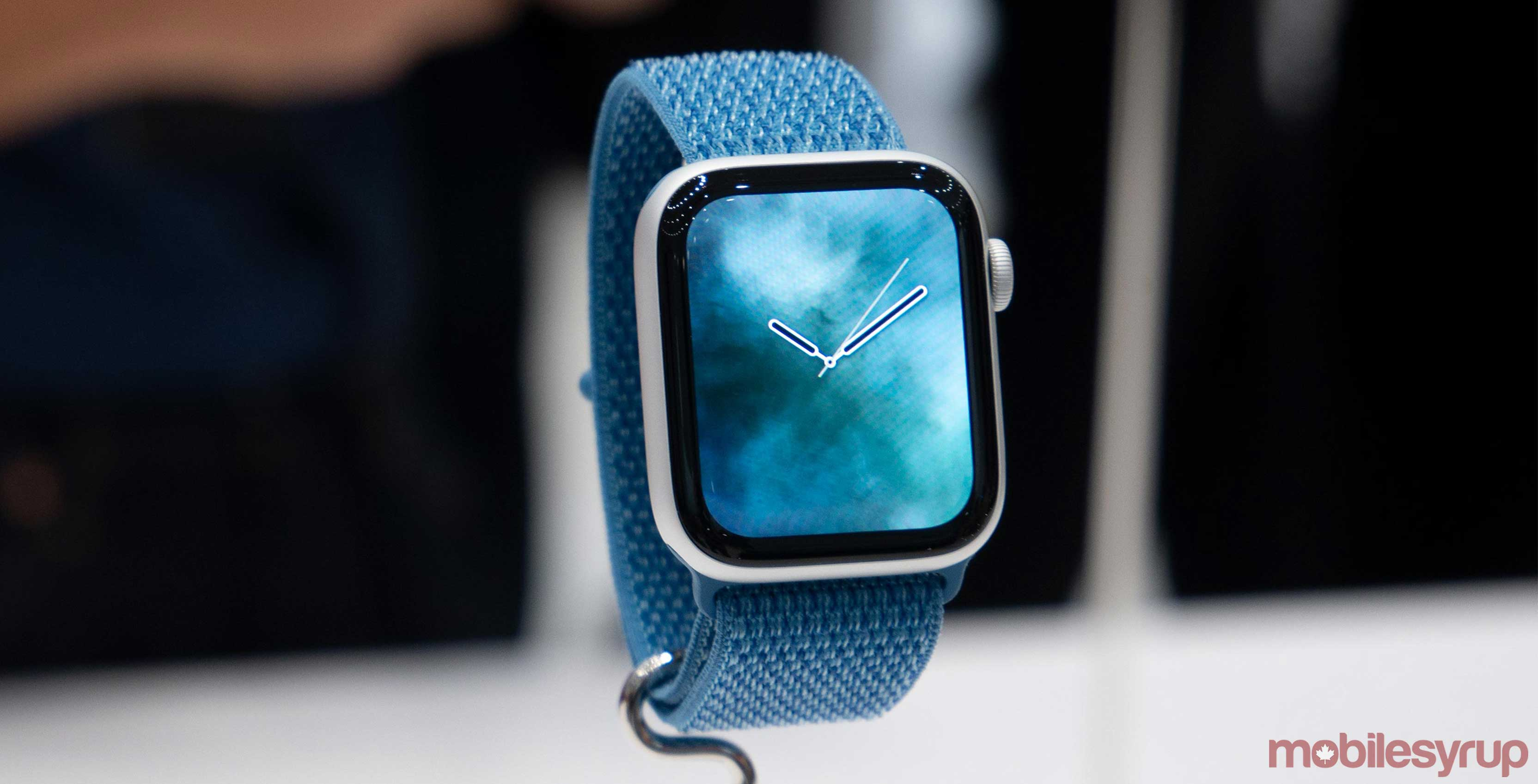 Apple Watch Series 5 to launch this fall with new OLED display: analyst