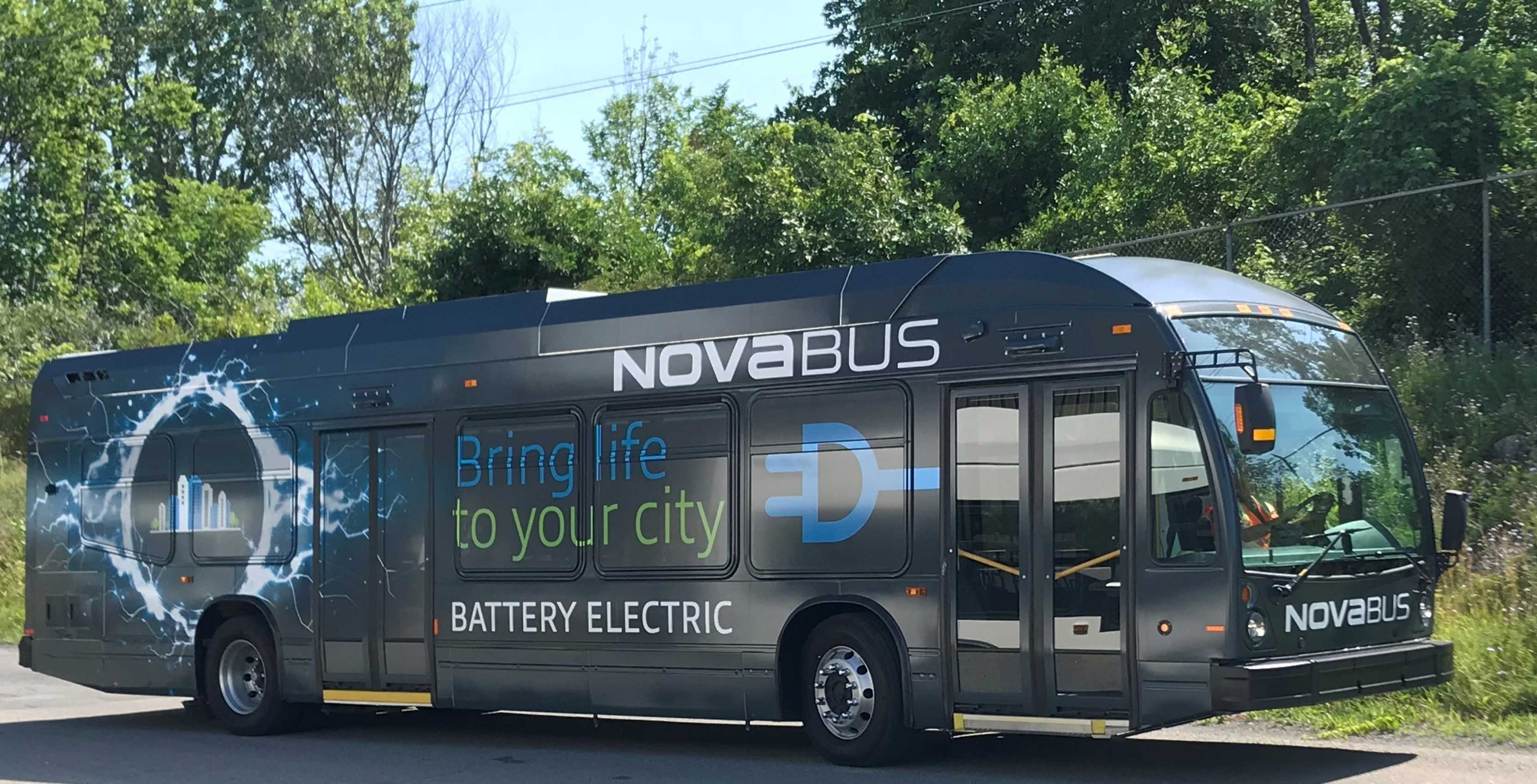 Four electric buses arrive in Vancouver as part of Canada-wide pilot project