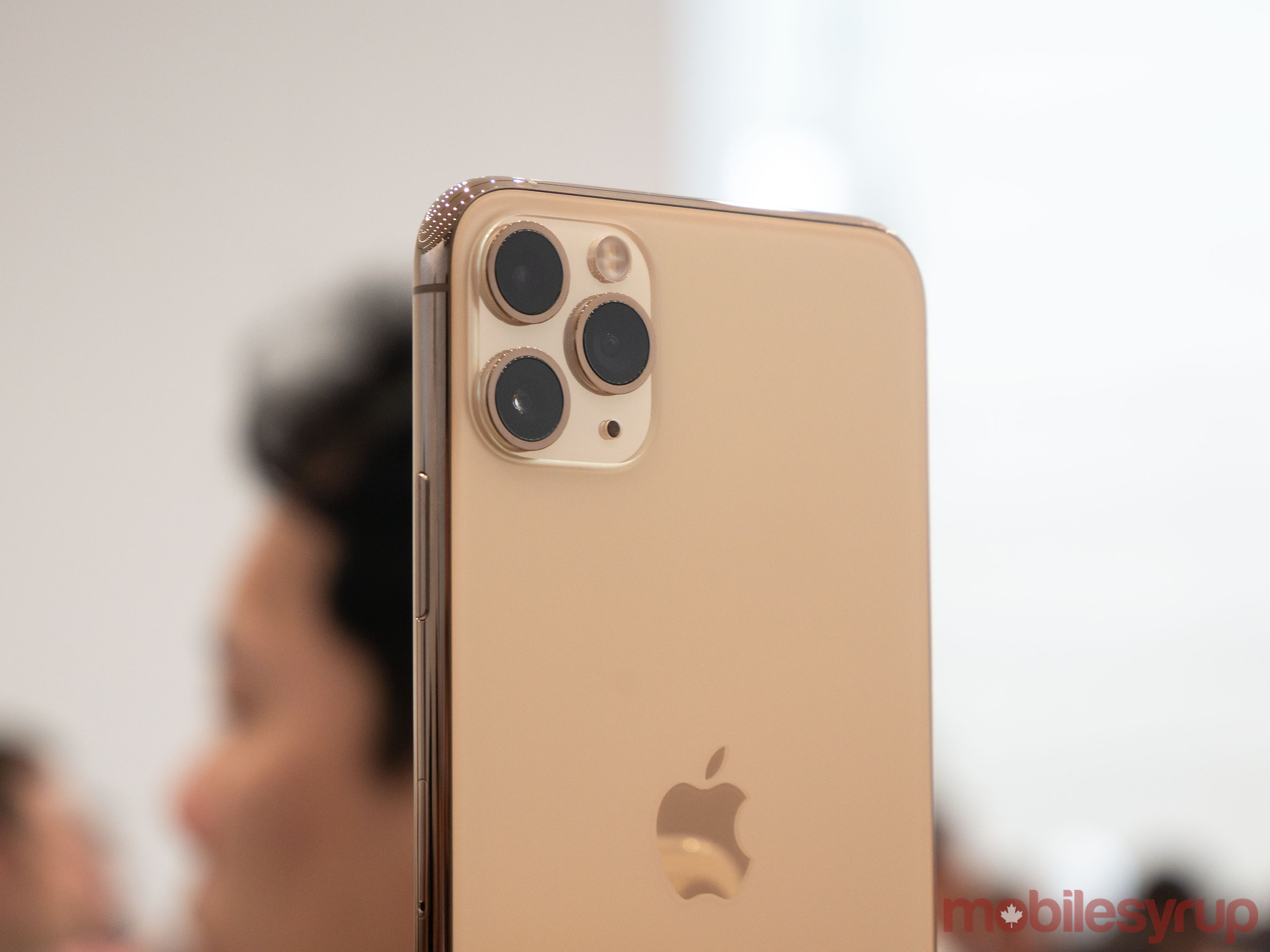 iPhone 11 Pro and 11 Pro Max Hands,on Apple\u0027s triple,camera