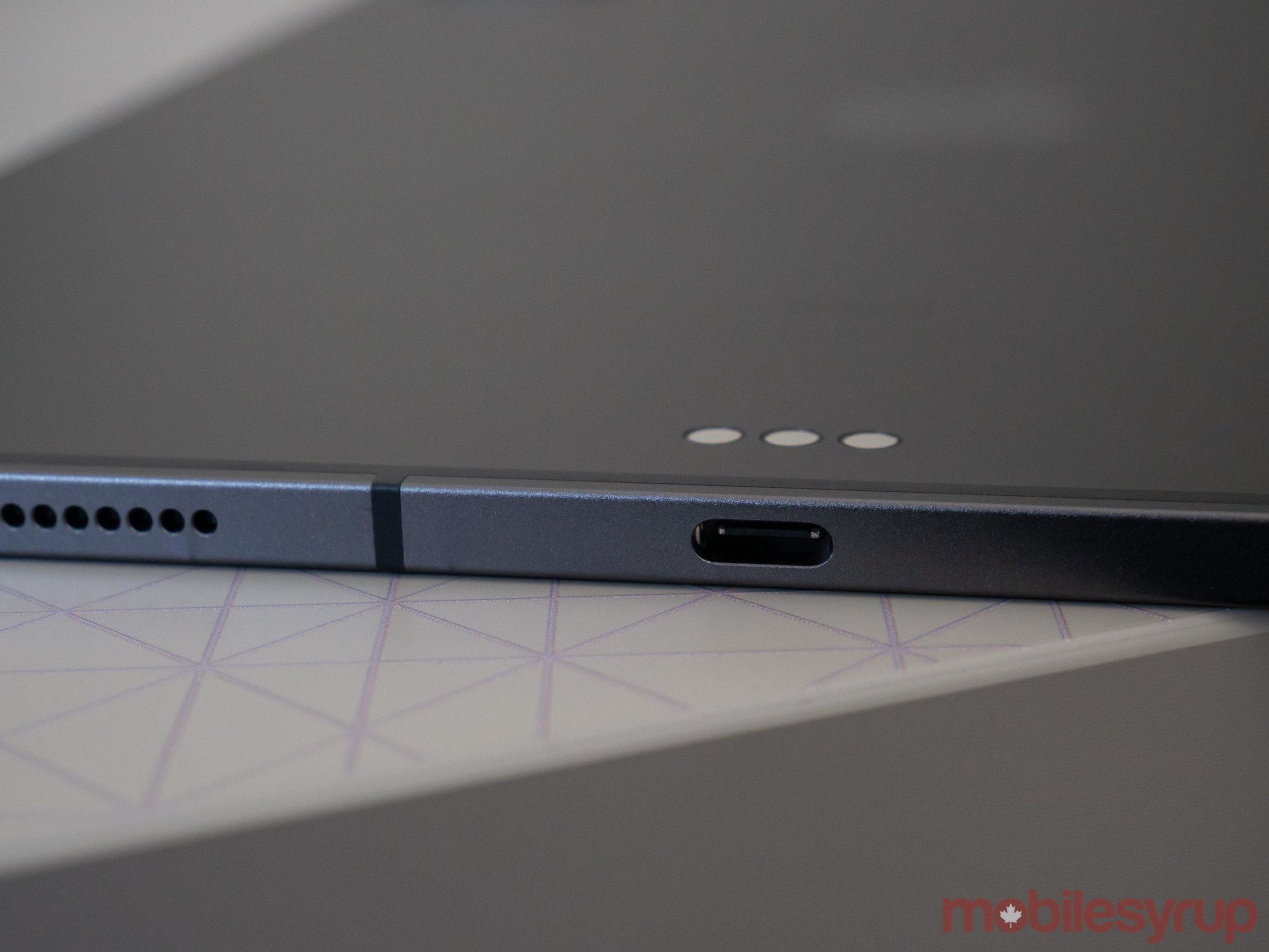 iPad Pro (2020) USB-C port
