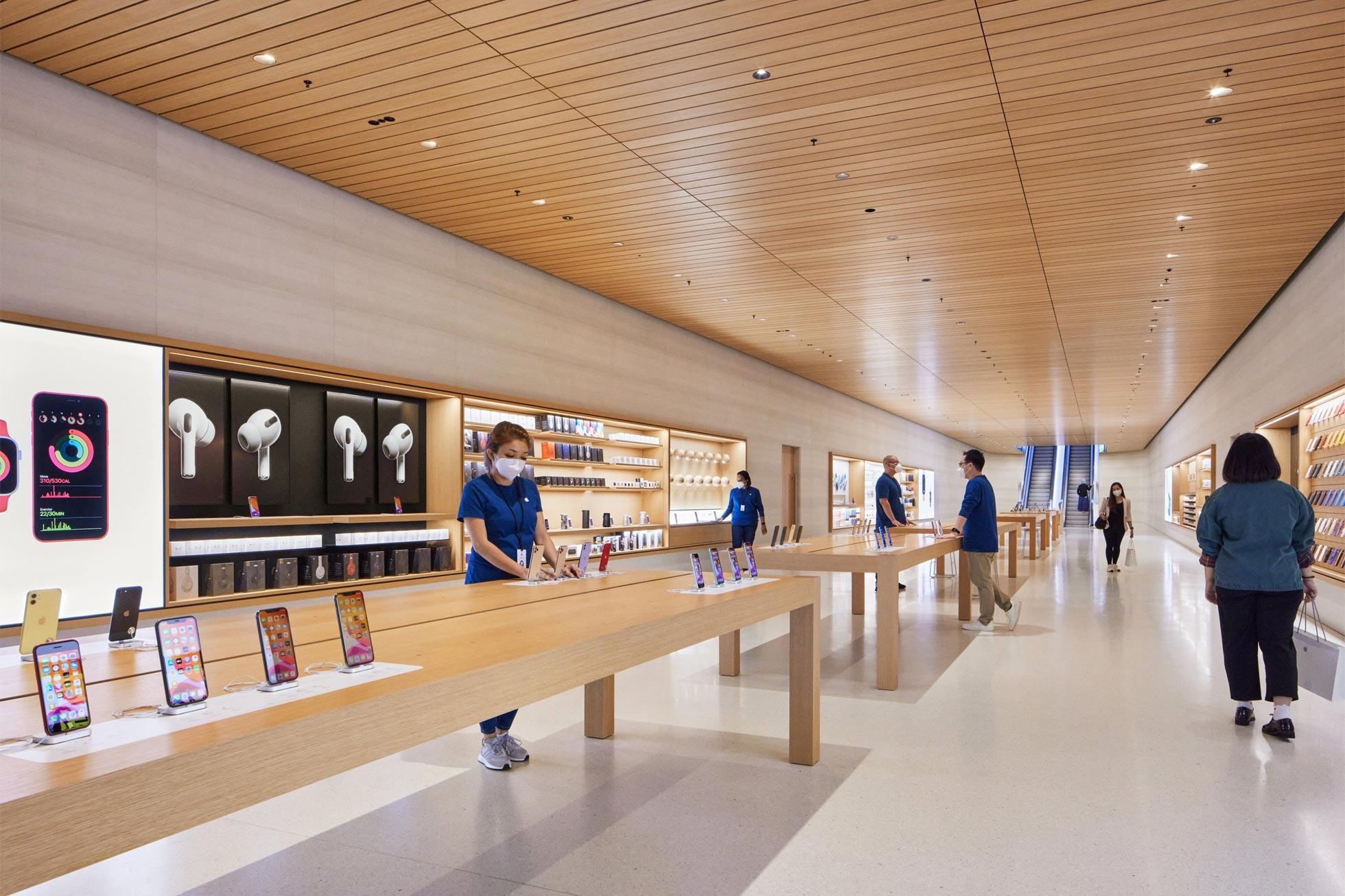 apple-store-singapore-2