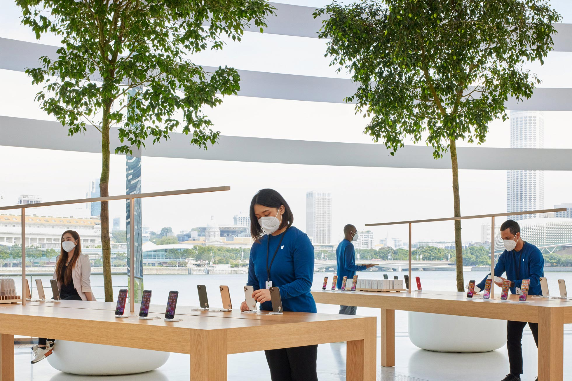 apple-store-singapore-4