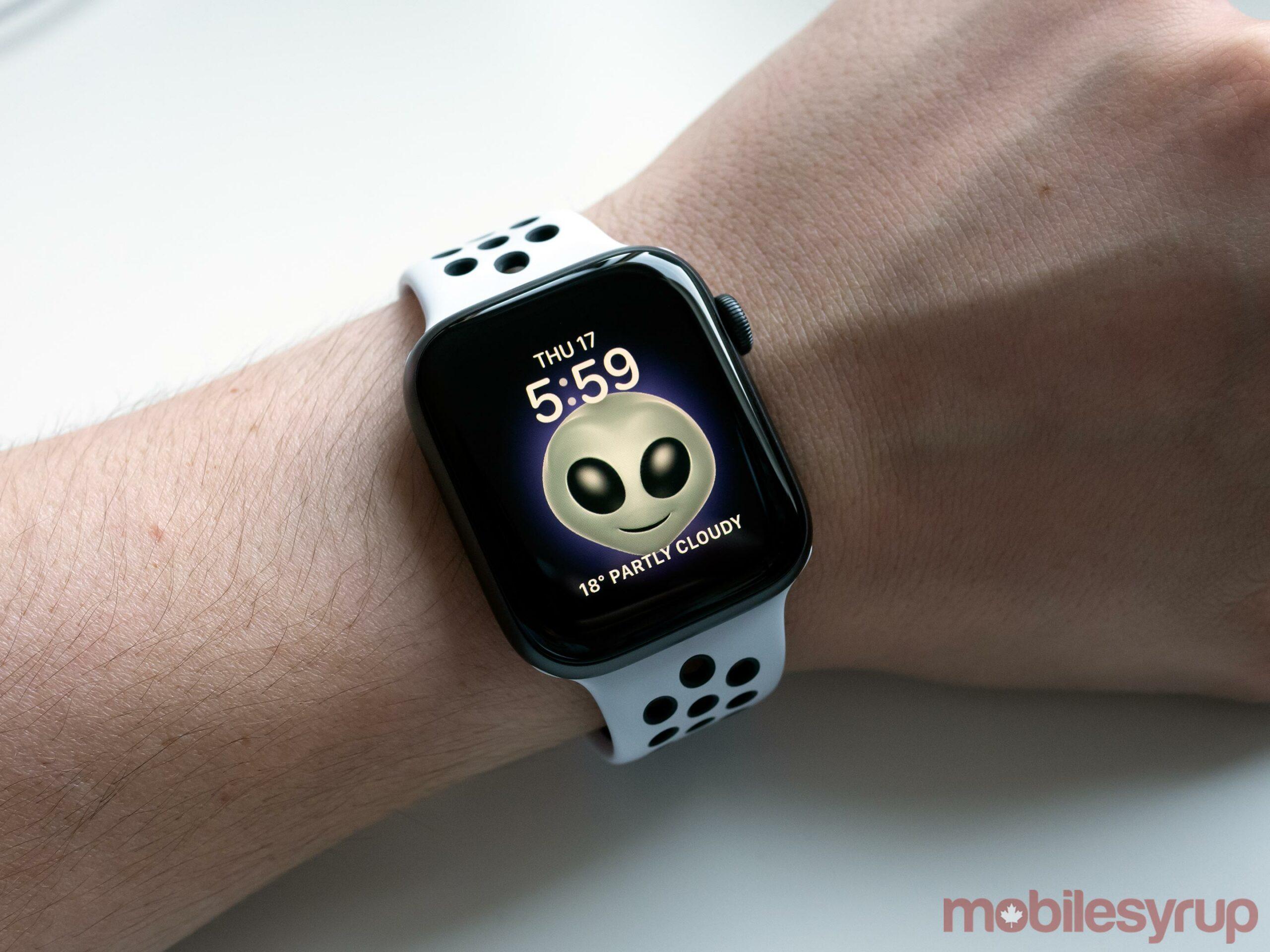 Apple Watch Alien Memoji