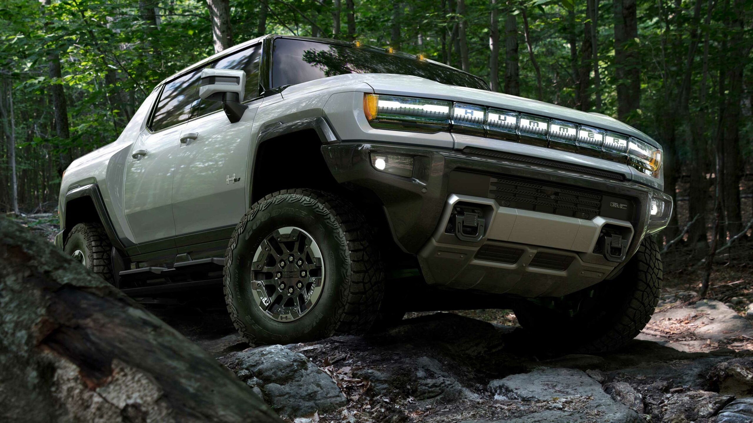 GM's Electric hummer truck is here with an estimated 560km ...