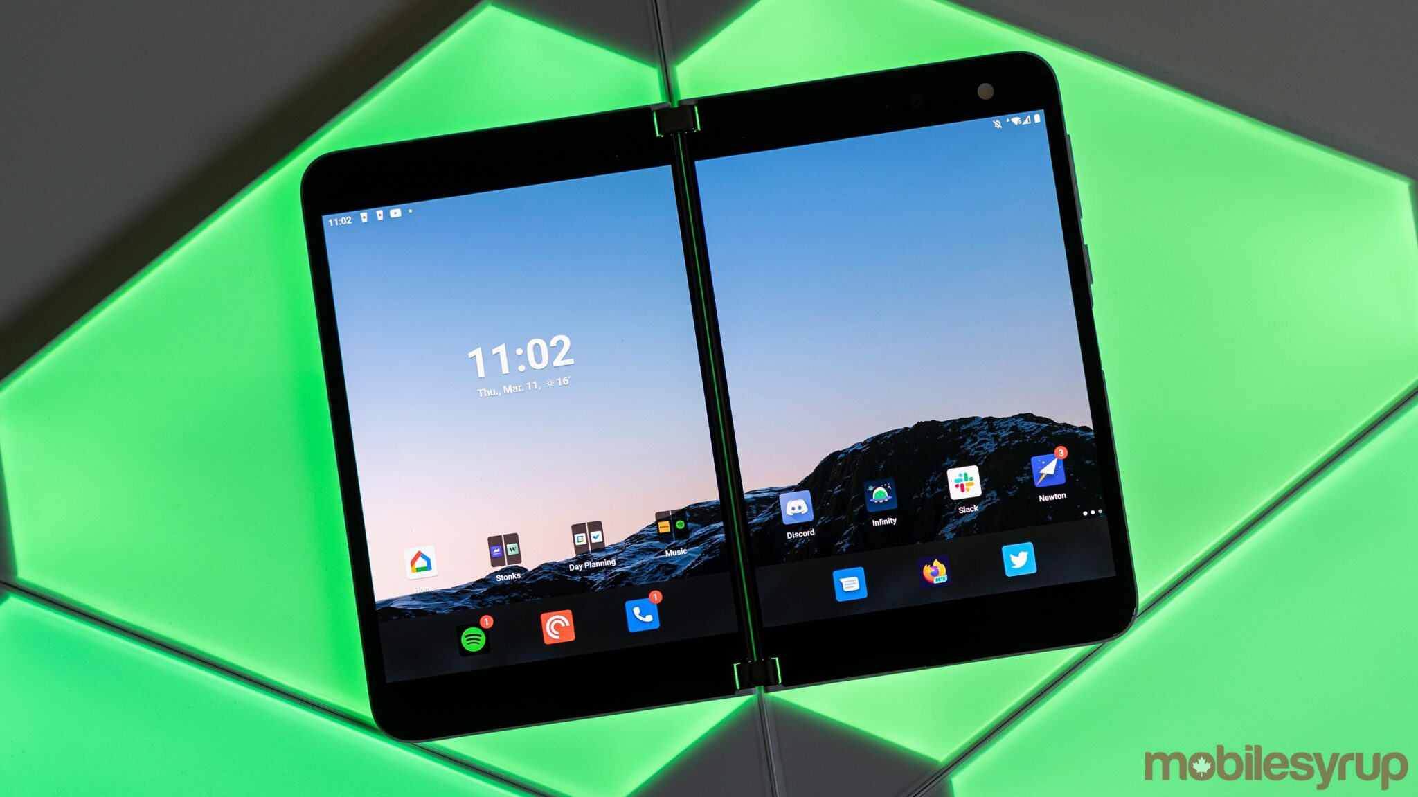 Microsoft Surface Duo 2 could arrive in the fall with faster processor